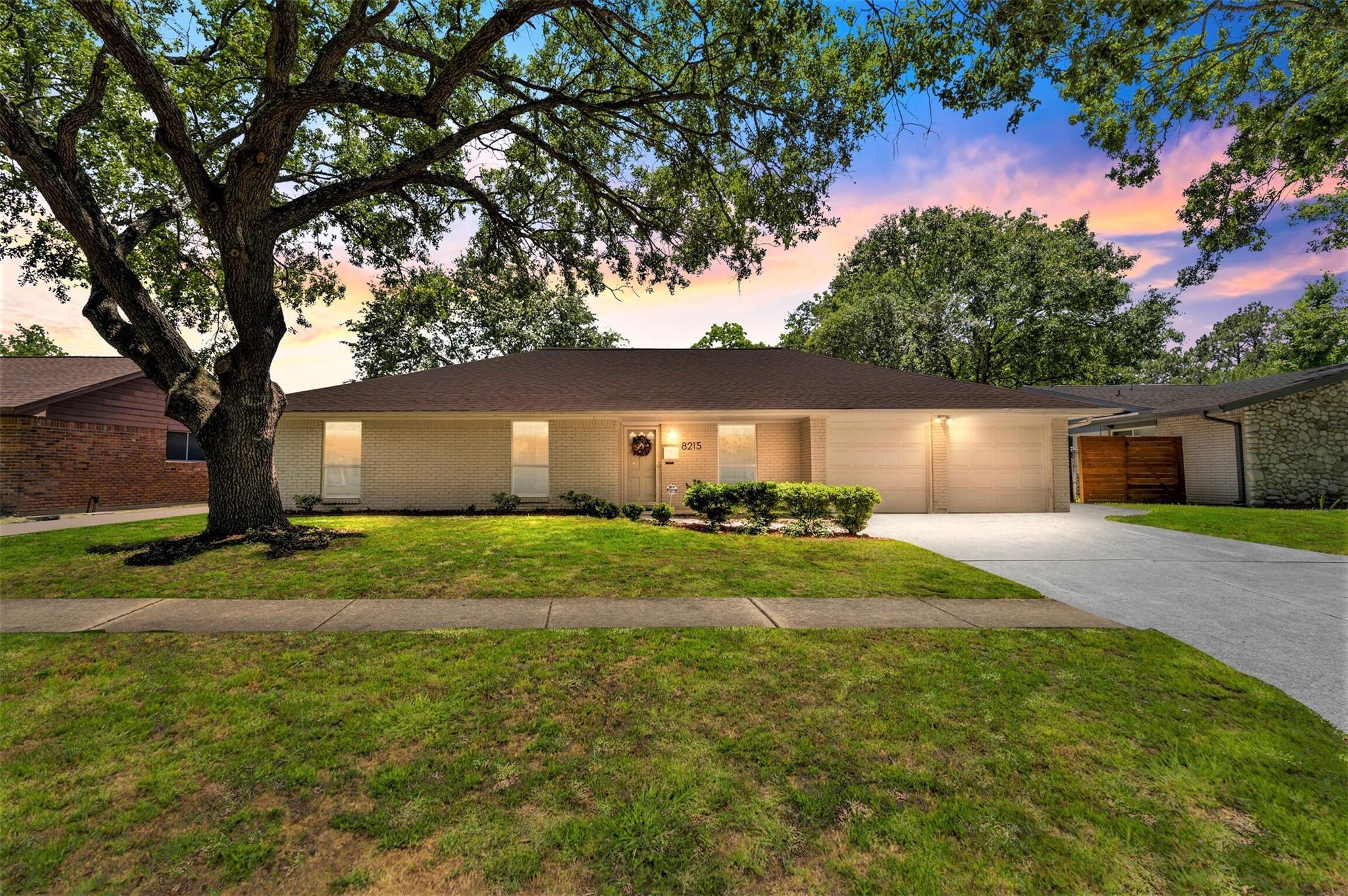 8215 Edgemoor Drive Property Photo