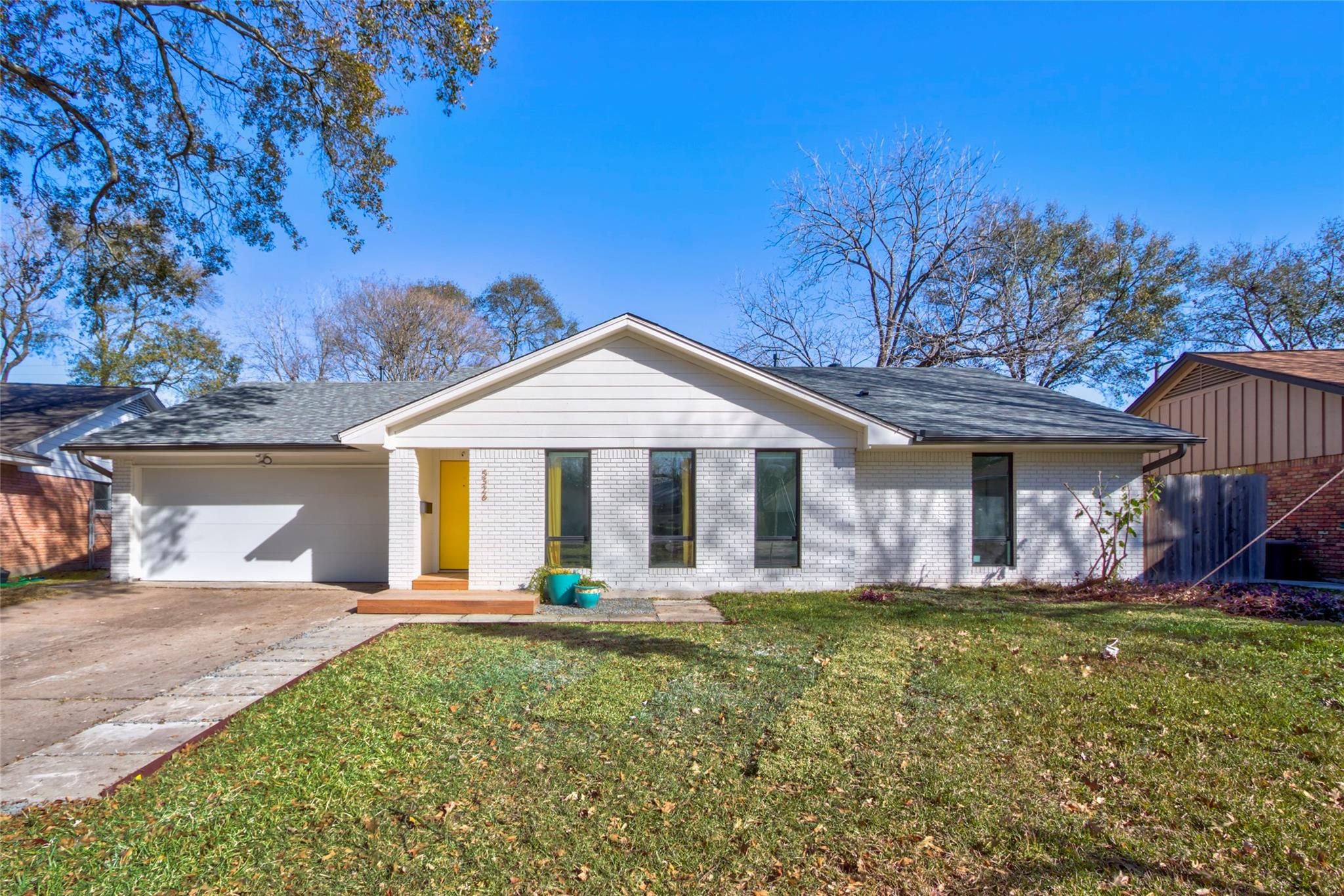 5326 Poinciana Drive Property Photo - Houston, TX real estate listing