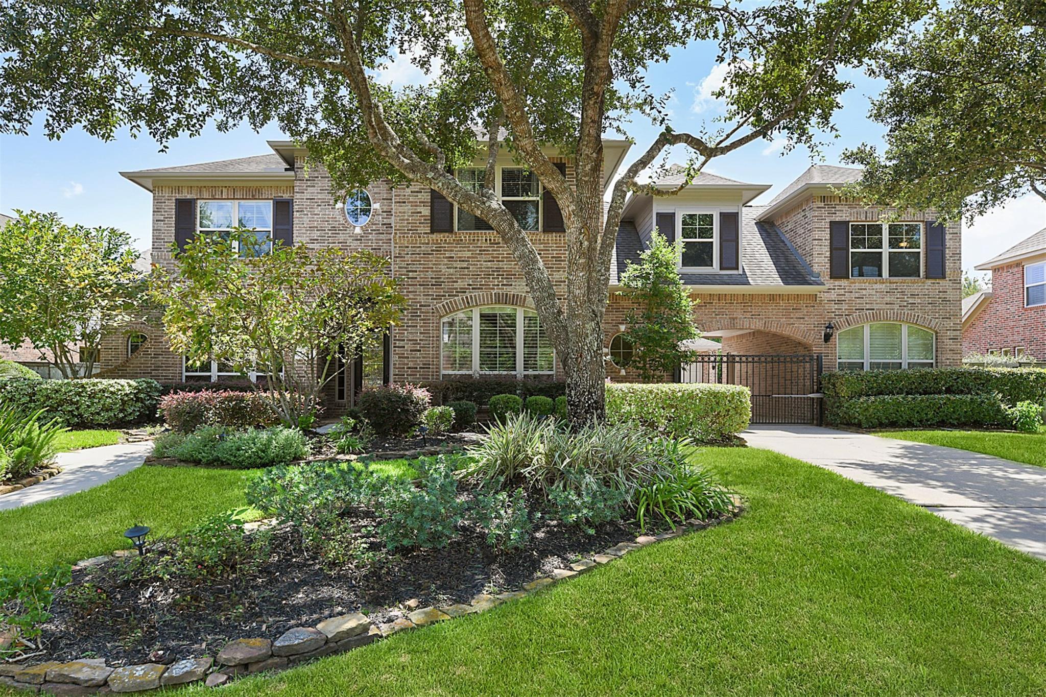 1315 Regal Shores Court Property Photo - Kingwood, TX real estate listing