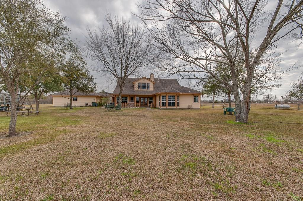 12517 Magnolia Parkway Property Photo - Pearland, TX real estate listing