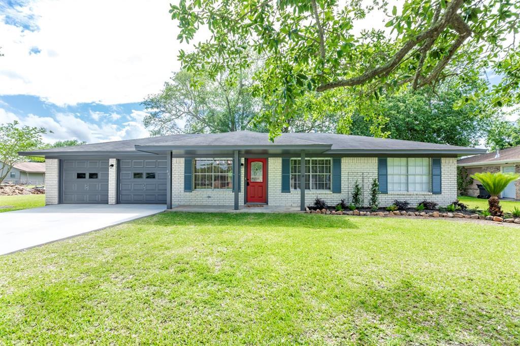 422 Nancy Drive Property Photo - Bridge City, TX real estate listing