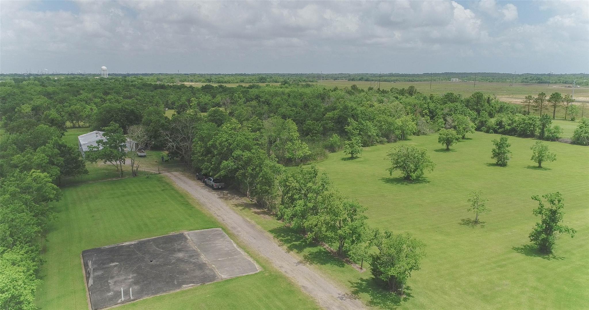1115 Delaney Street Property Photo - La Marque, TX real estate listing