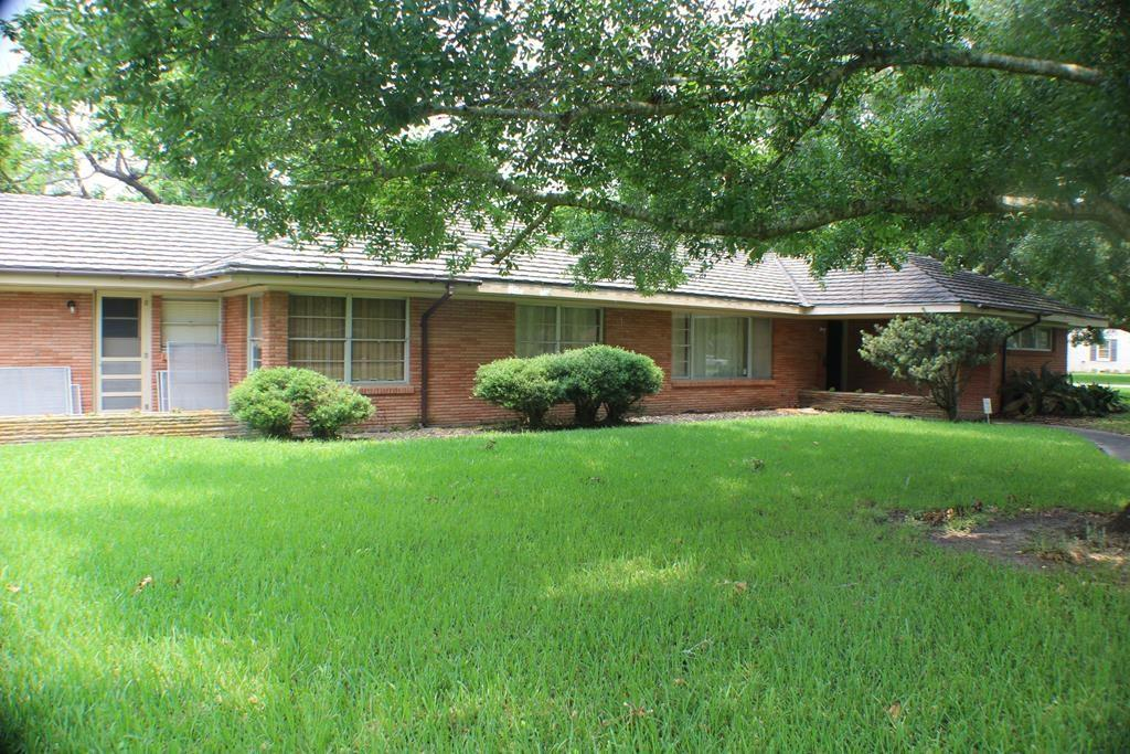 917 6th Street Property Photo - Bay City, TX real estate listing