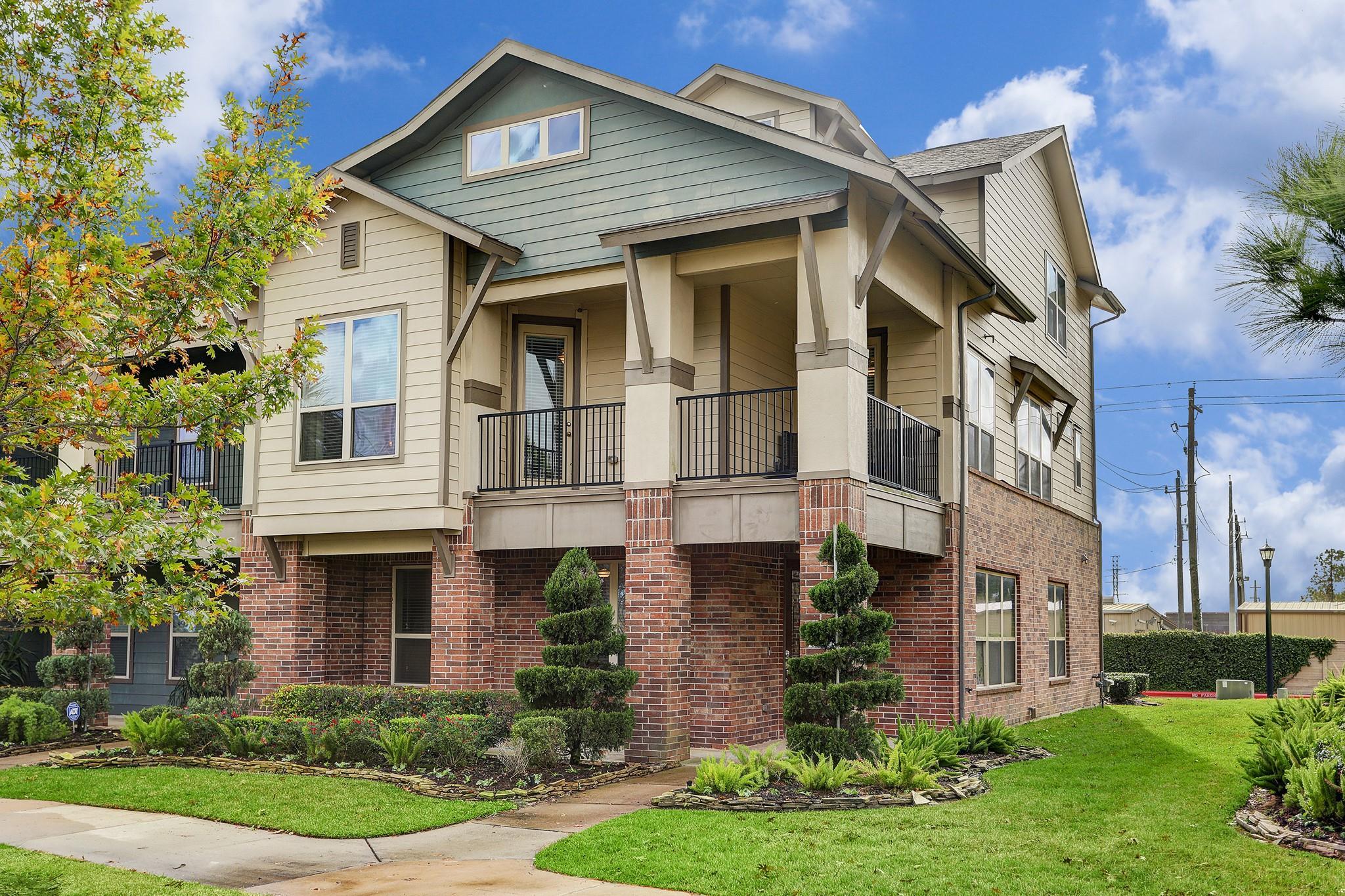719 Via Lago Property Photo - Webster, TX real estate listing