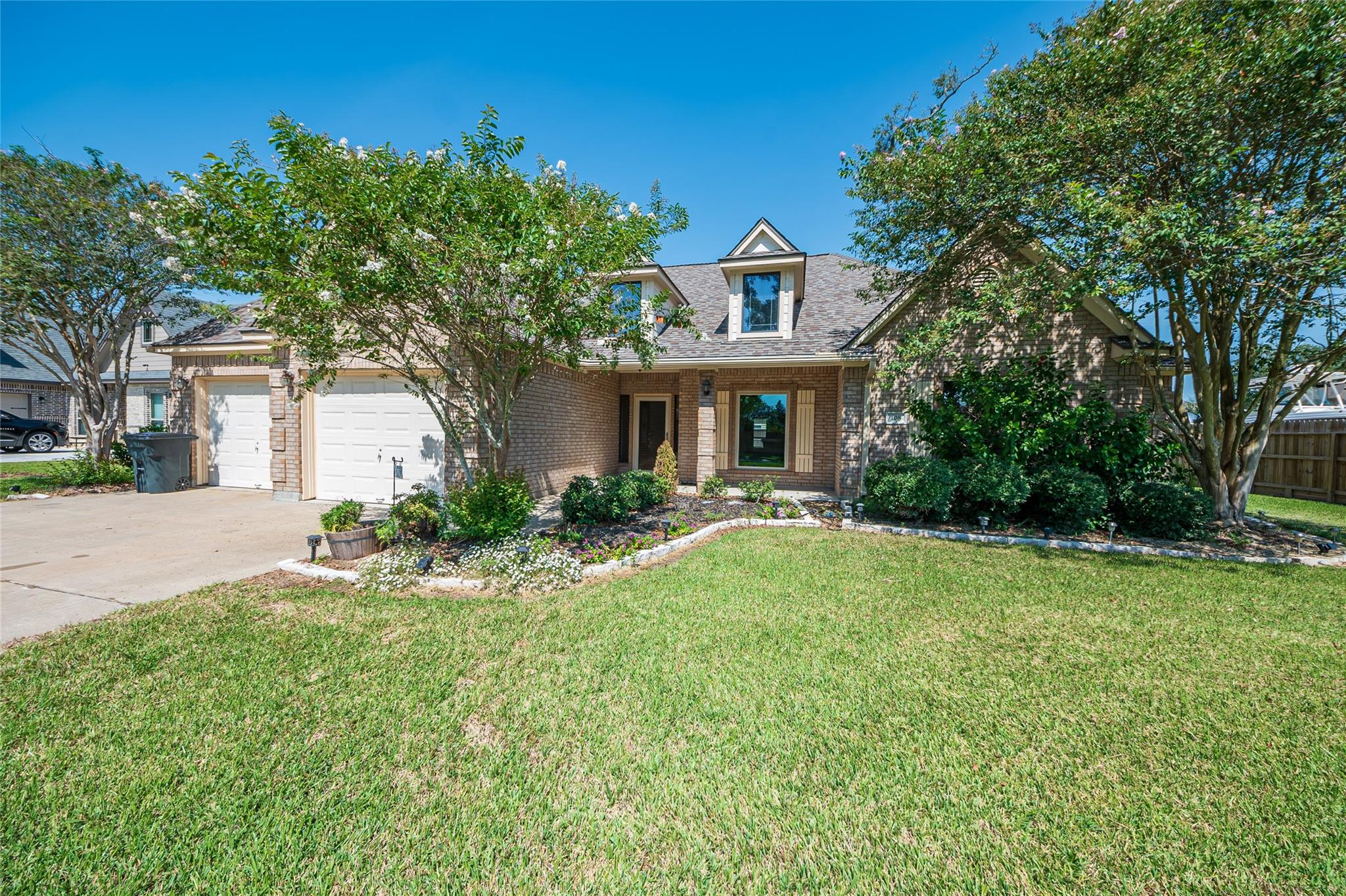 108 Teal Drive Property Photo - Clute, TX real estate listing