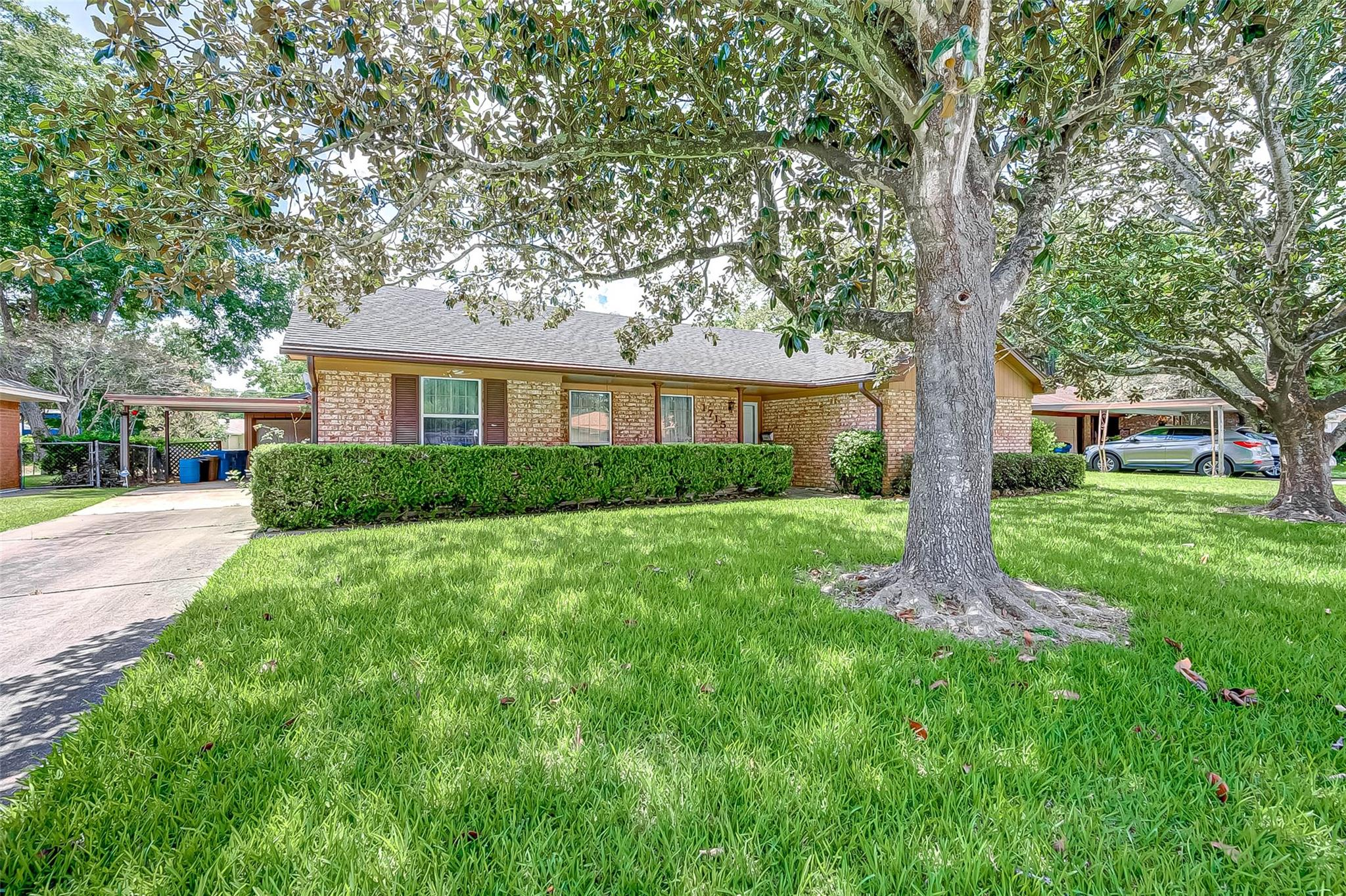 1715 Avenue R Property Photo - Rosenberg, TX real estate listing