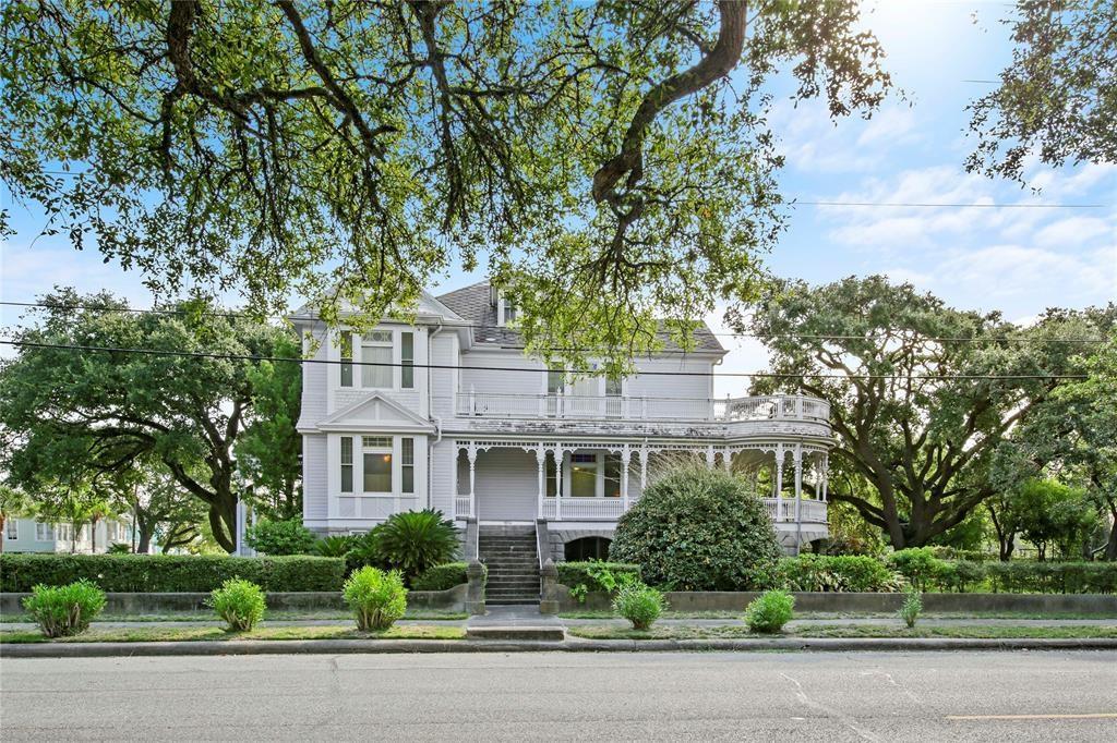 1804 35TH ST Property Photo - Galveston, TX real estate listing