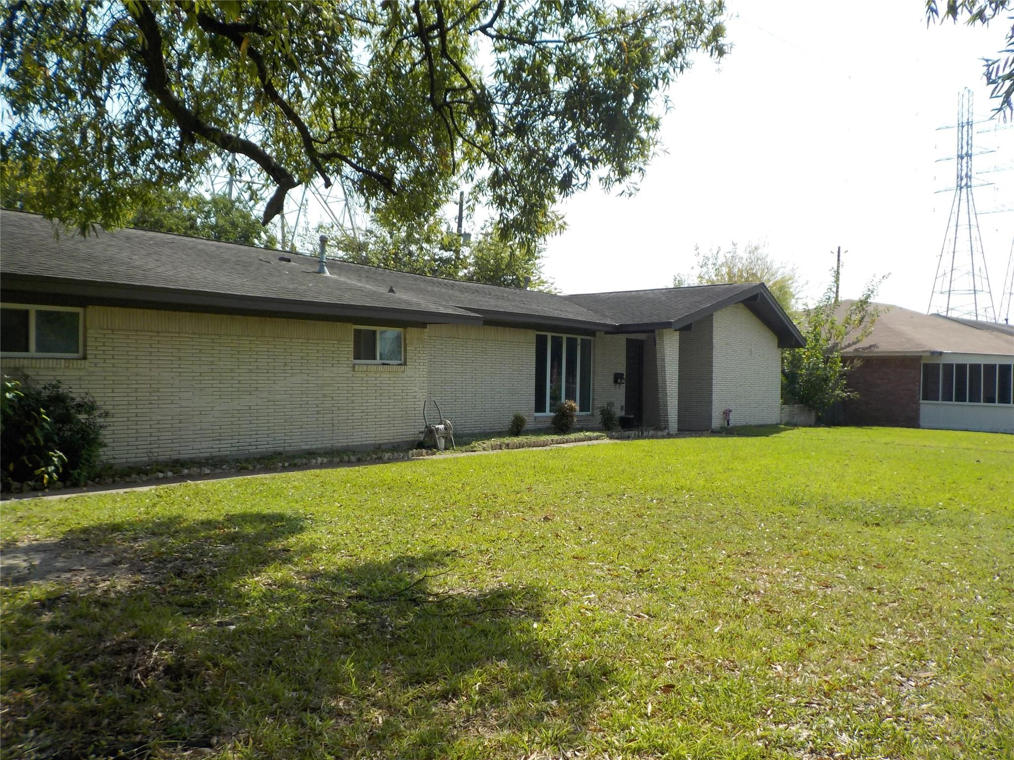 1605 Crown Street Property Photo - Galena Park, TX real estate listing