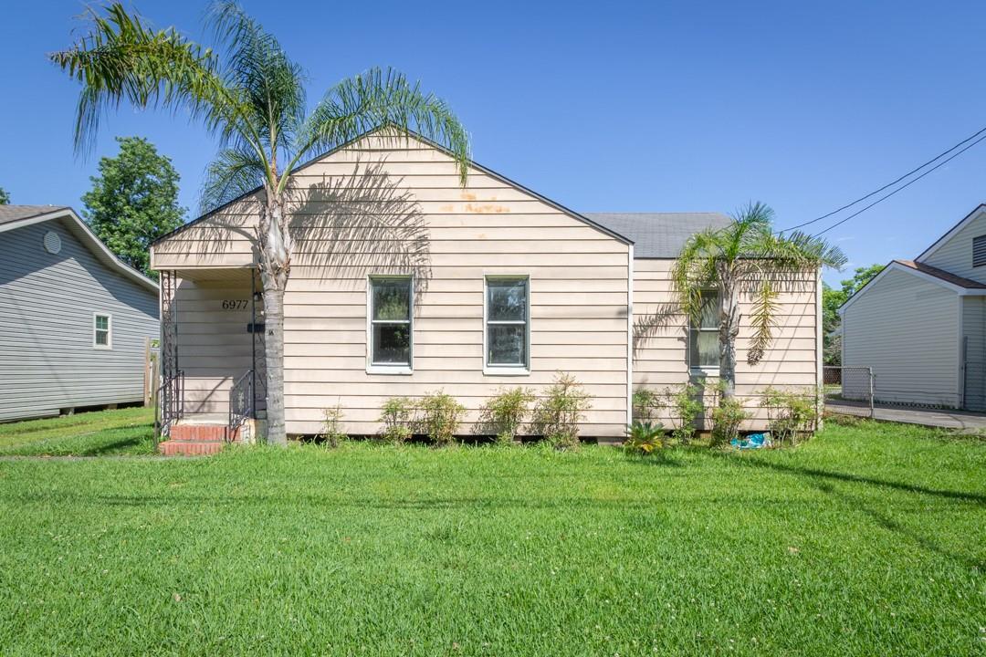 6977 39th Street Property Photo