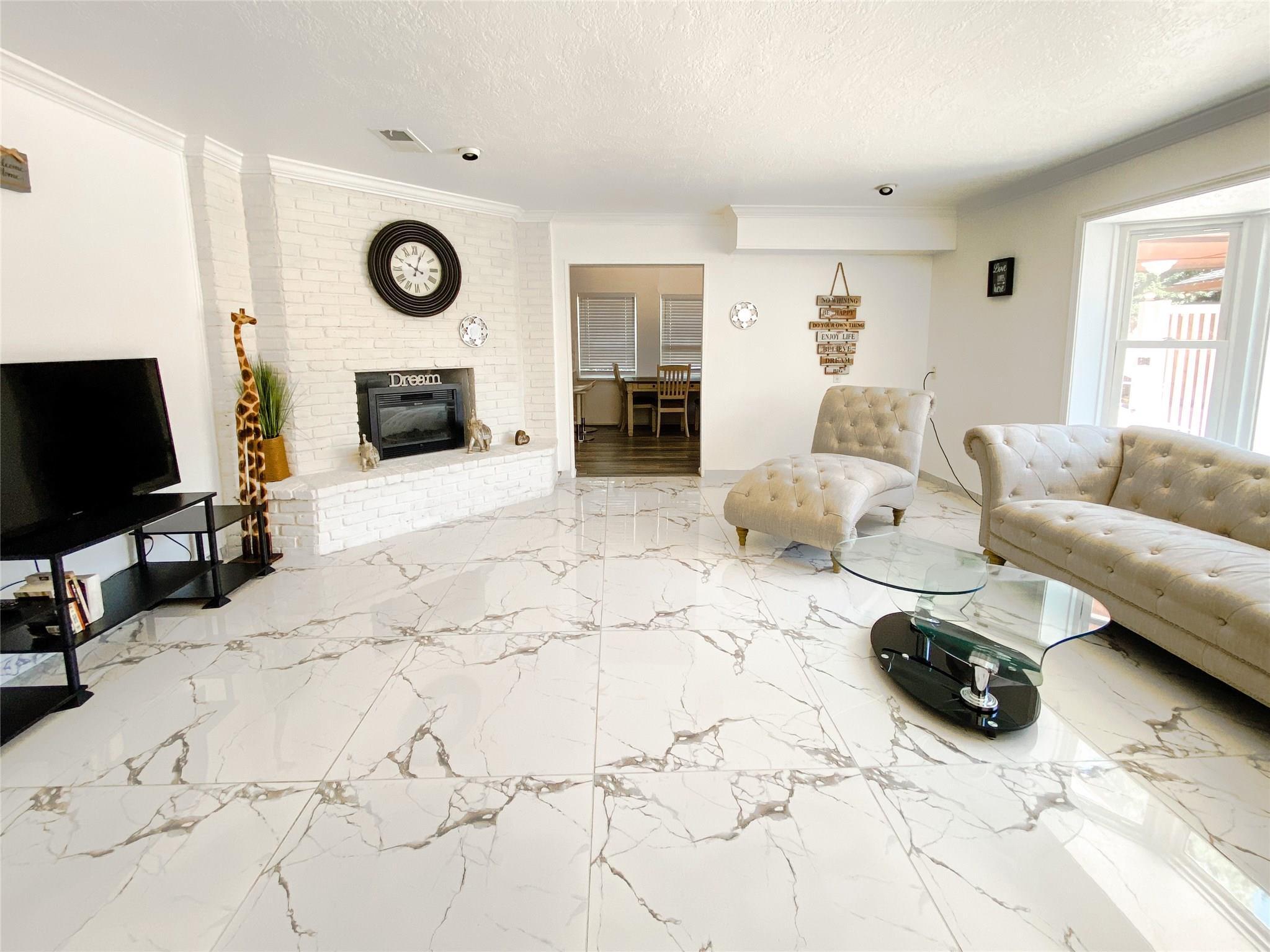7726 Gulfton Street Property Photo - Houston, TX real estate listing