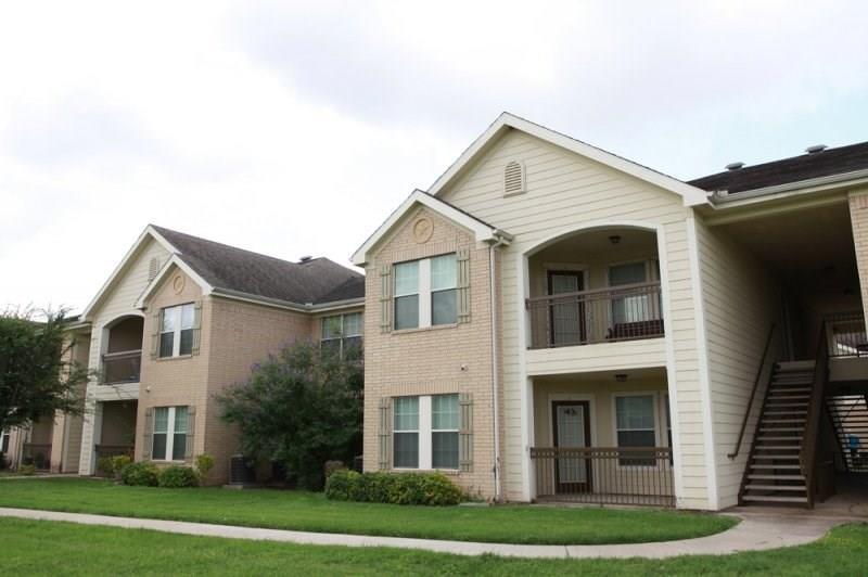 1505 E Corral Avenue Property Photo - Kingsville, TX real estate listing