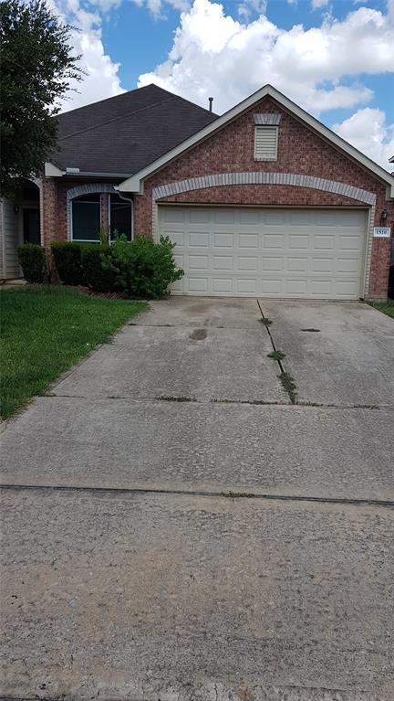 1510 Chandler Park Lane, Fresno, TX 77545 - Fresno, TX real estate listing