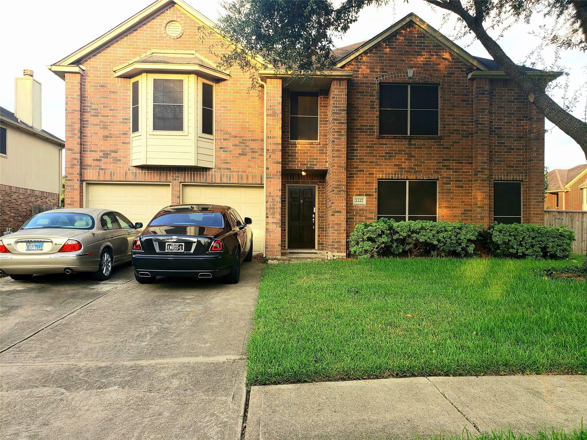 2227 Mountshire Dr Drive Property Photo - Missouri City, TX real estate listing