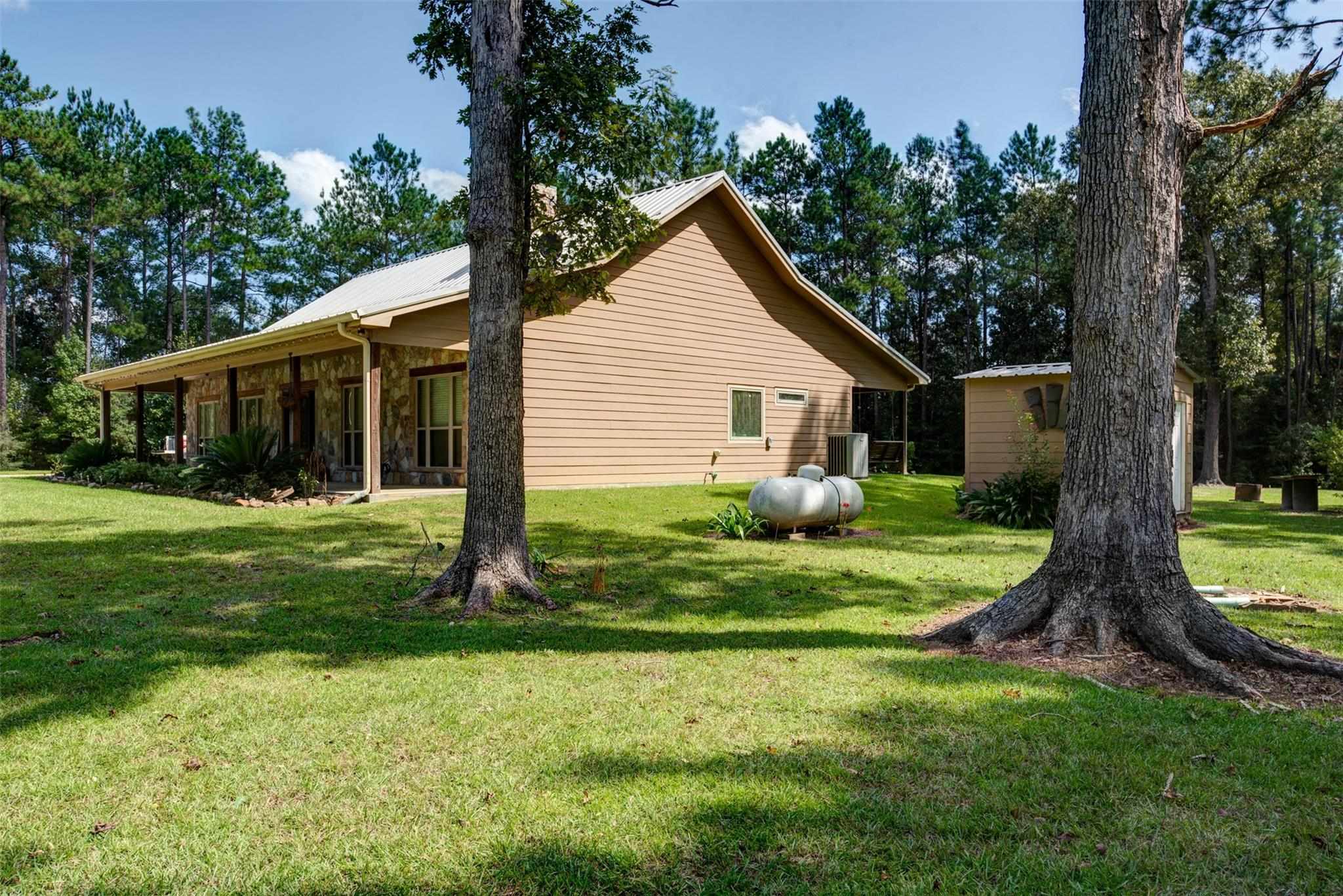 1675 County Road 2400 Property Photo - Chester, TX real estate listing