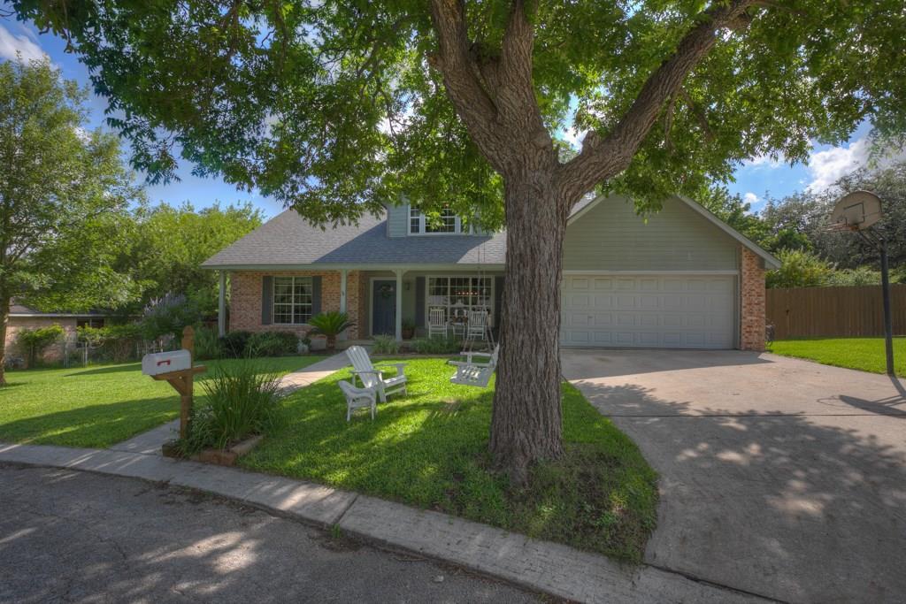 7 Wildwood Trail Property Photo - New Braunfels, TX real estate listing