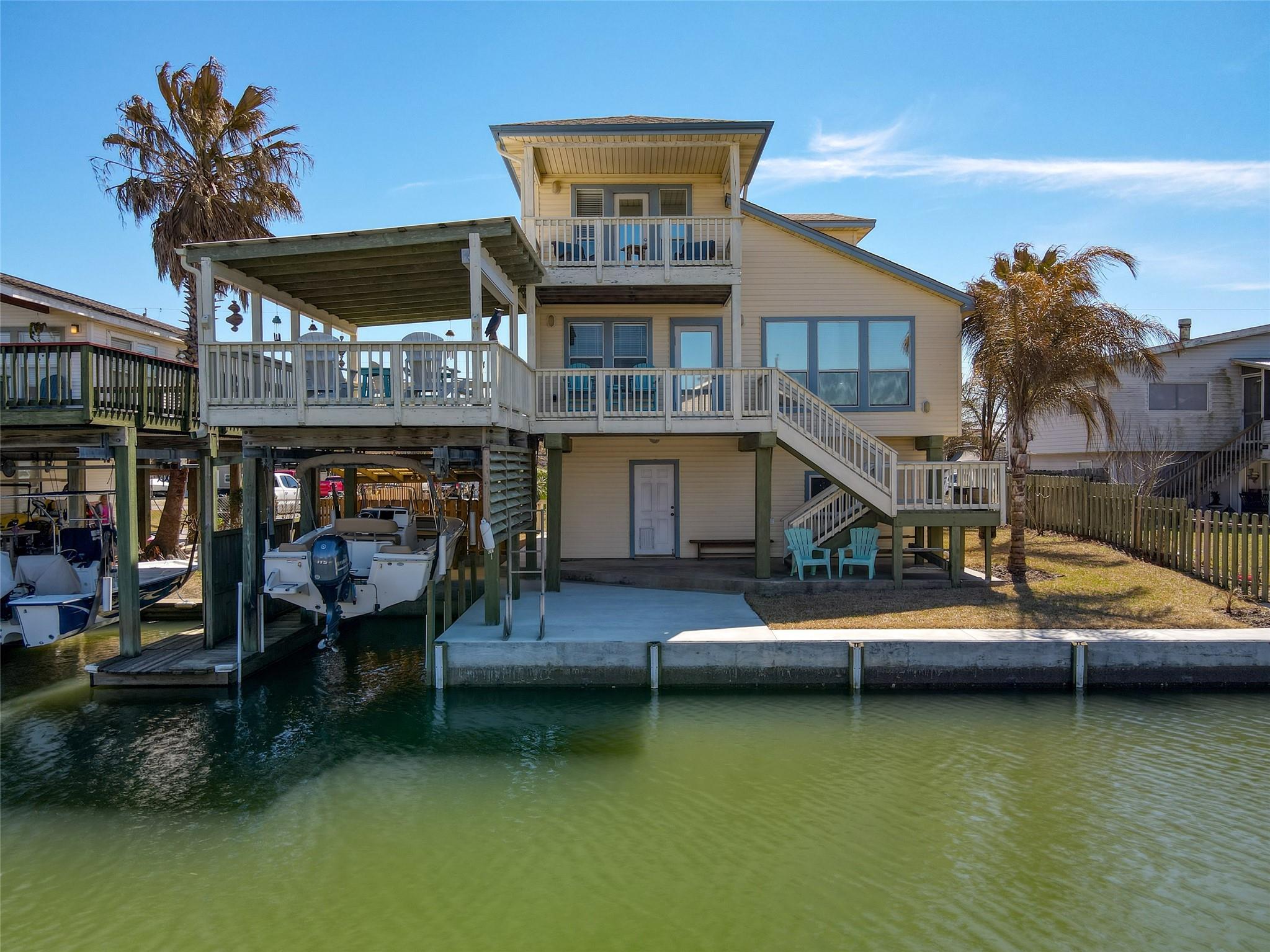 16602 Bermuda Way Property Photo - Jamaica Beach, TX real estate listing