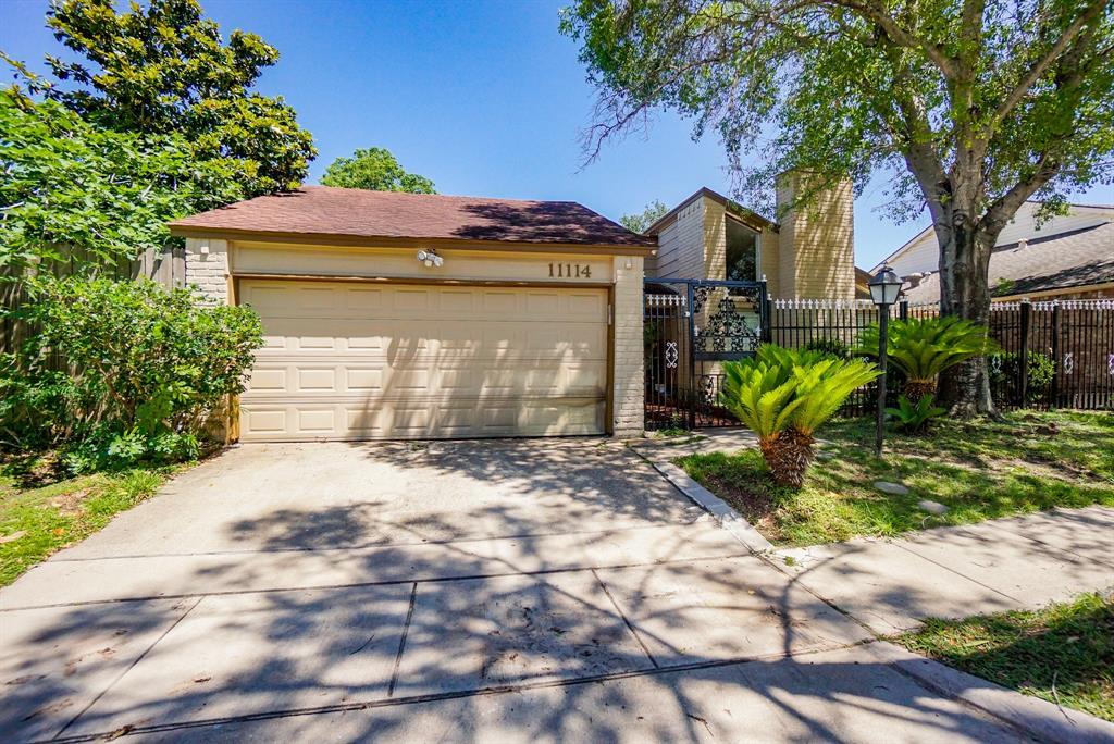 11114 Bandlon Property Photo - Houston, TX real estate listing