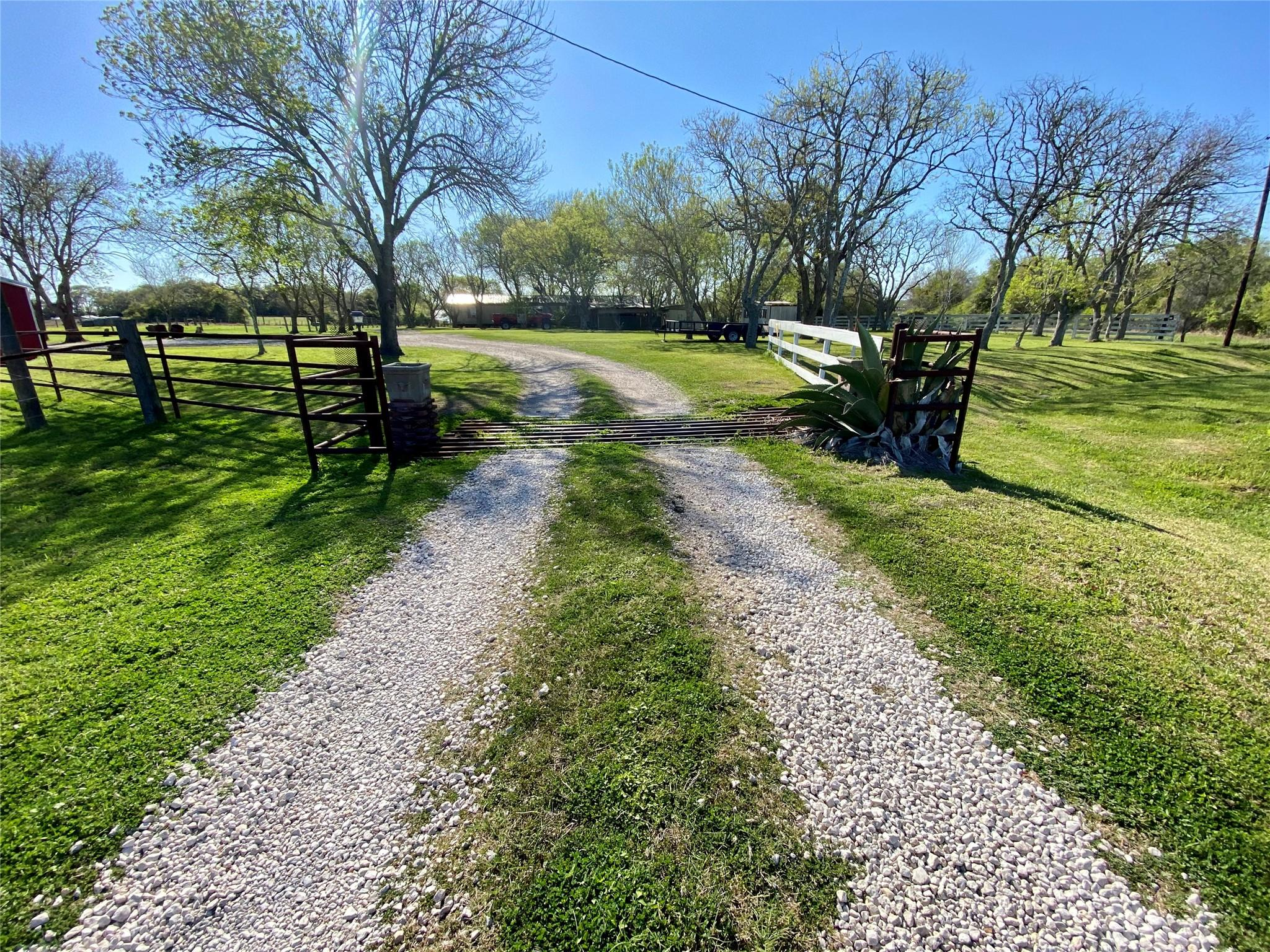 560 Private Road 2501 Property Photo - Ganado, TX real estate listing