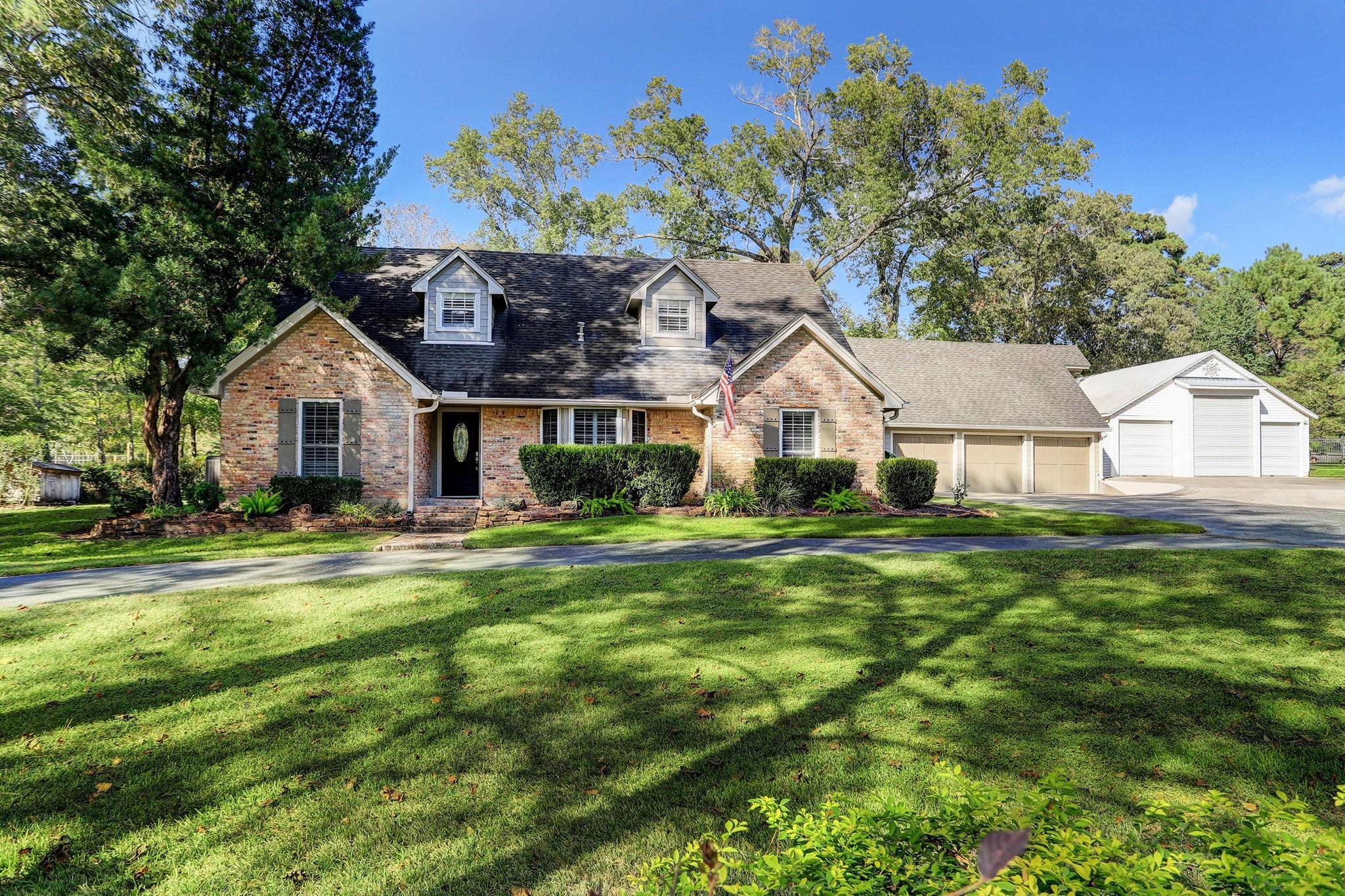 1301 Cypress Lane Property Photo - Kingwood, TX real estate listing