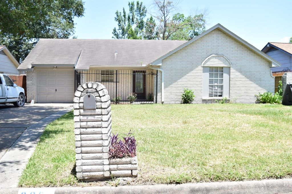 906 Cherry Spring Drive Property Photo - Houston, TX real estate listing
