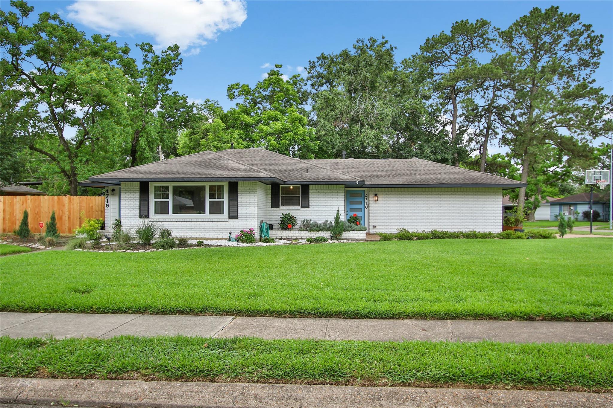 4719 Nina Lee Lane Property Photo