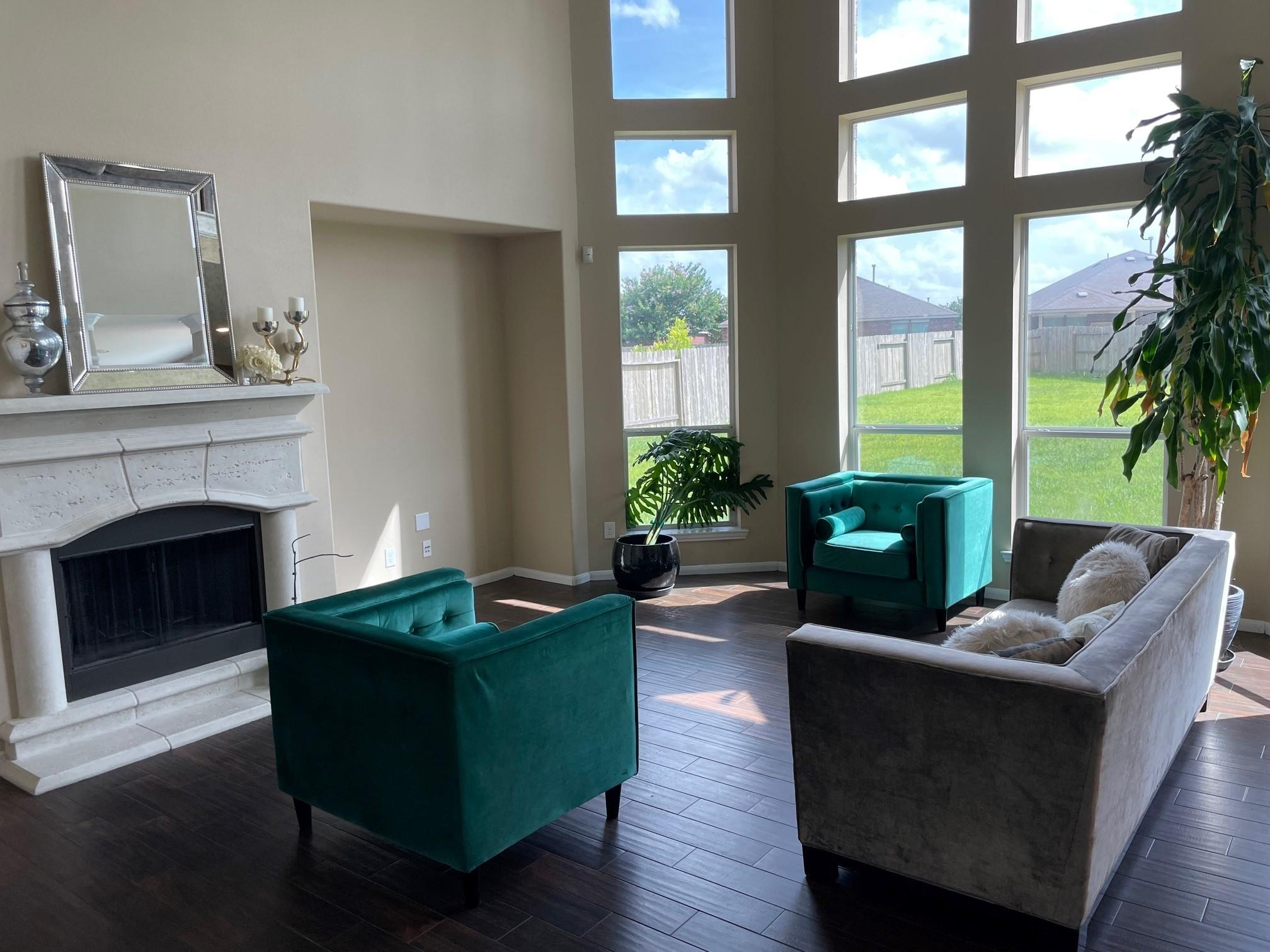 918 Valley Ridge Drive Property Photo 1