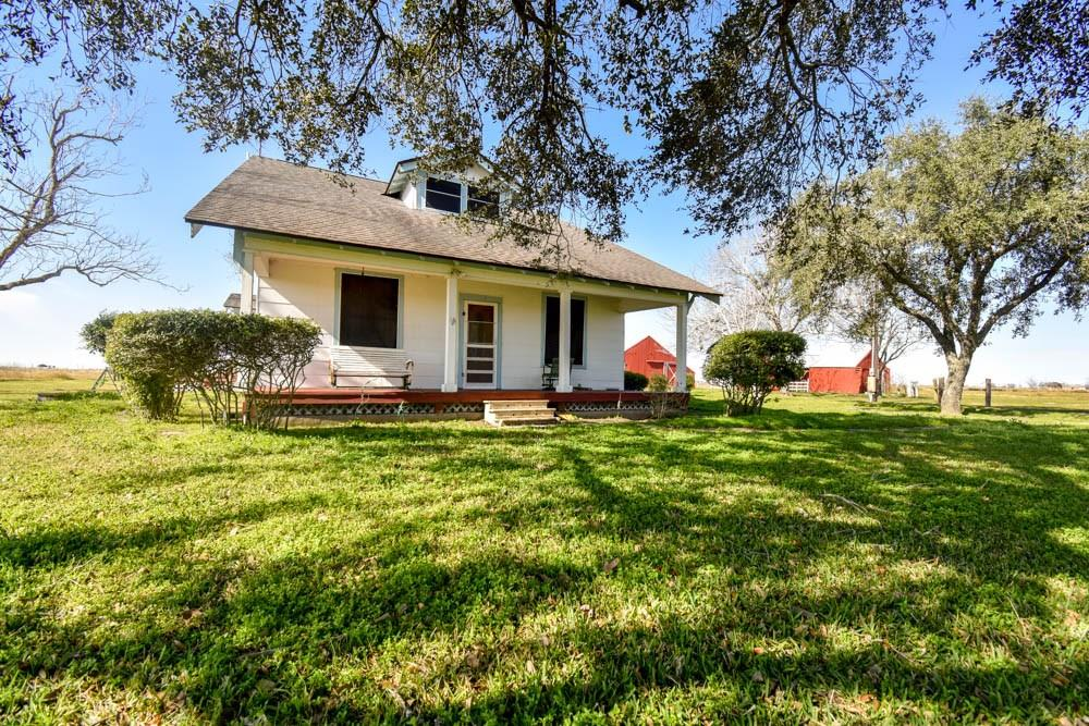 423 County Road 423 Property Photo - Danavang, TX real estate listing