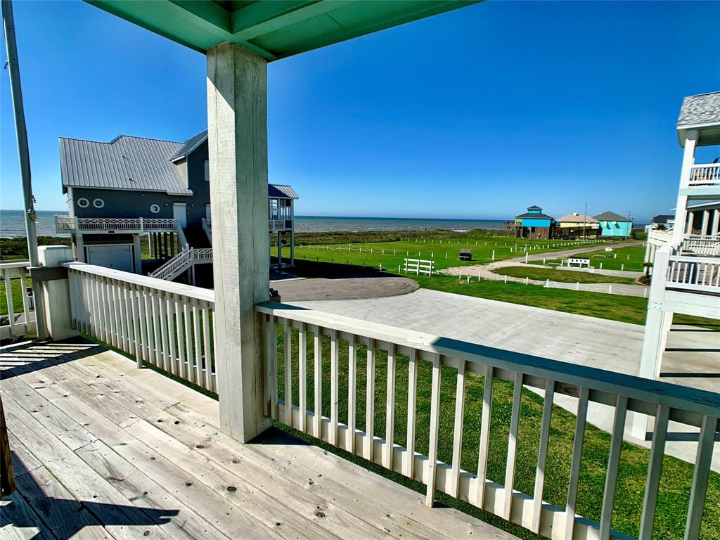 3481 Smith's Point Property Photo - Crystal Beach, TX real estate listing