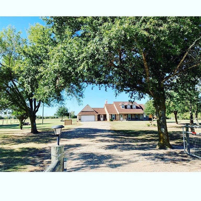 1473 Hintz Property Photo - Sealy, TX real estate listing