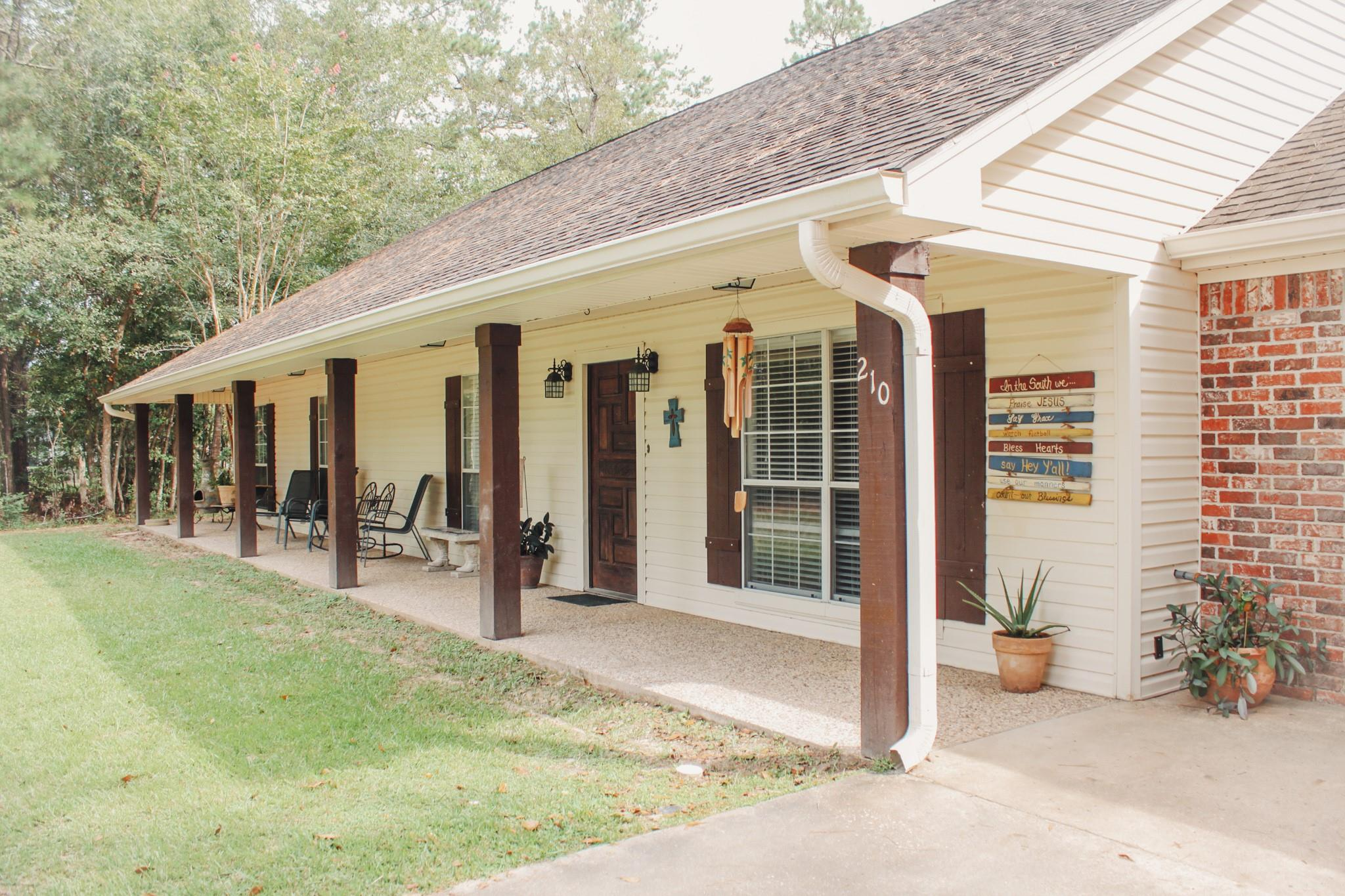 210 Southland Drive Property Photo - Lumberton, TX real estate listing