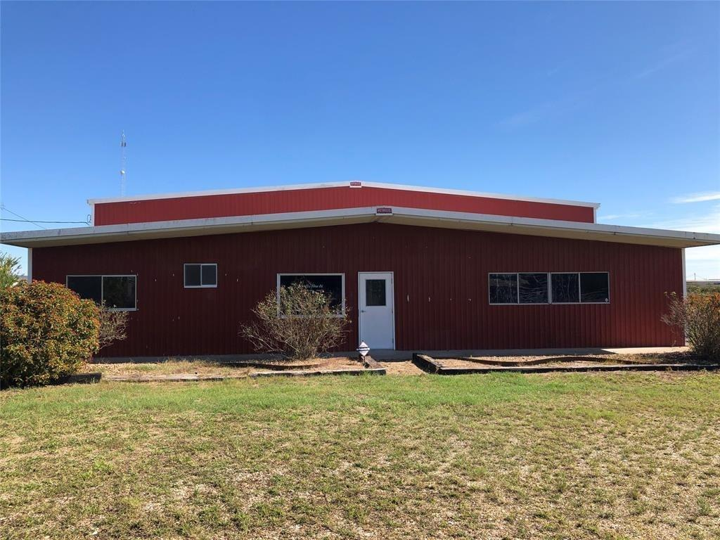 204 Glen Flora Road Property Photo - Eagle Lake, TX real estate listing