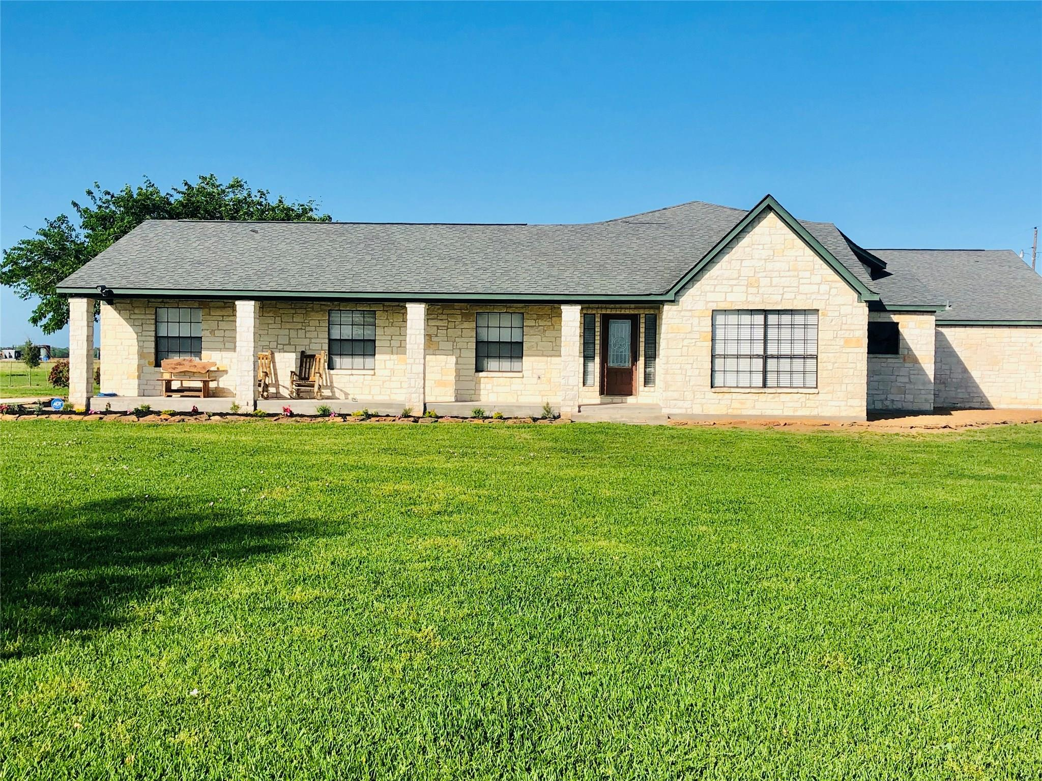 1450 County Road 467 Property Photo - El Campo, TX real estate listing