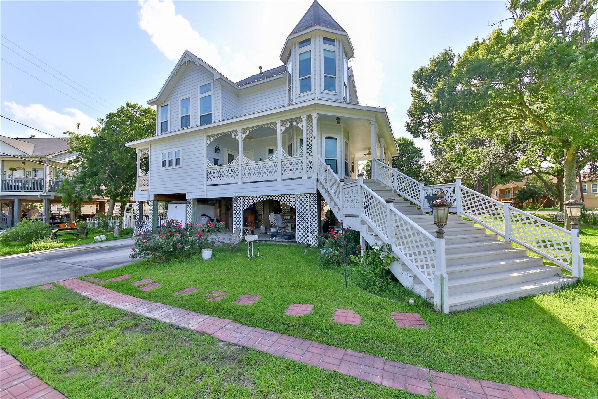 127 Shore Acres Boulevard Property Photo