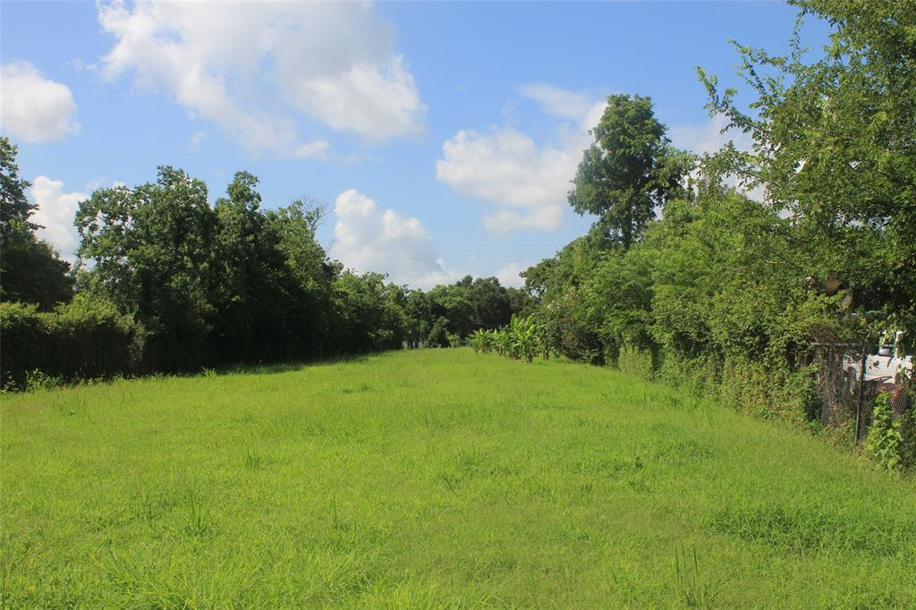 639 1/2 Coen Road Property Photo - Arcola, TX real estate listing