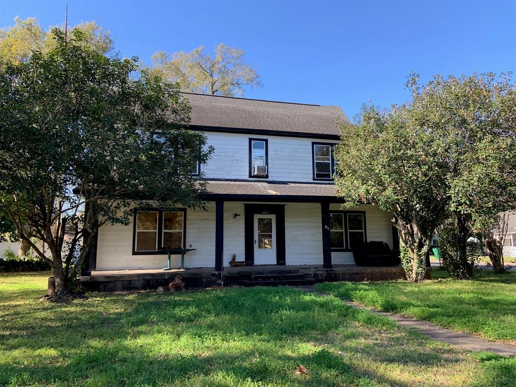 311 Avenue G, El Campo, TX 77437 - El Campo, TX real estate listing