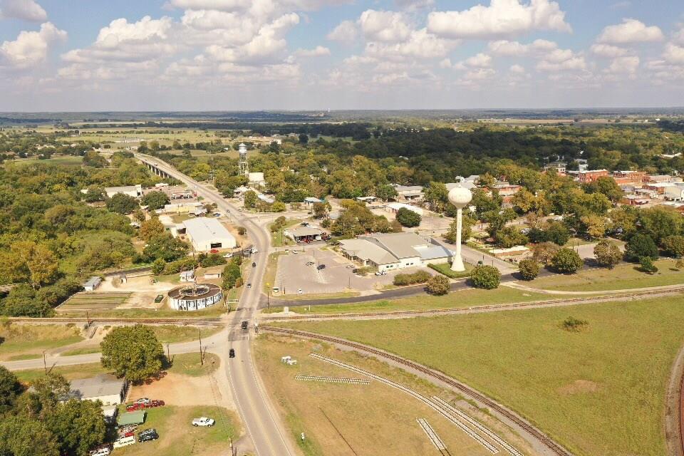 104 Gazley Street, Smithville, TX 78957 - Smithville, TX real estate listing
