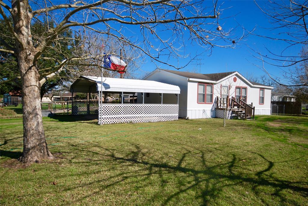 805 S La Grange Street Property Photo - Flatonia, TX real estate listing