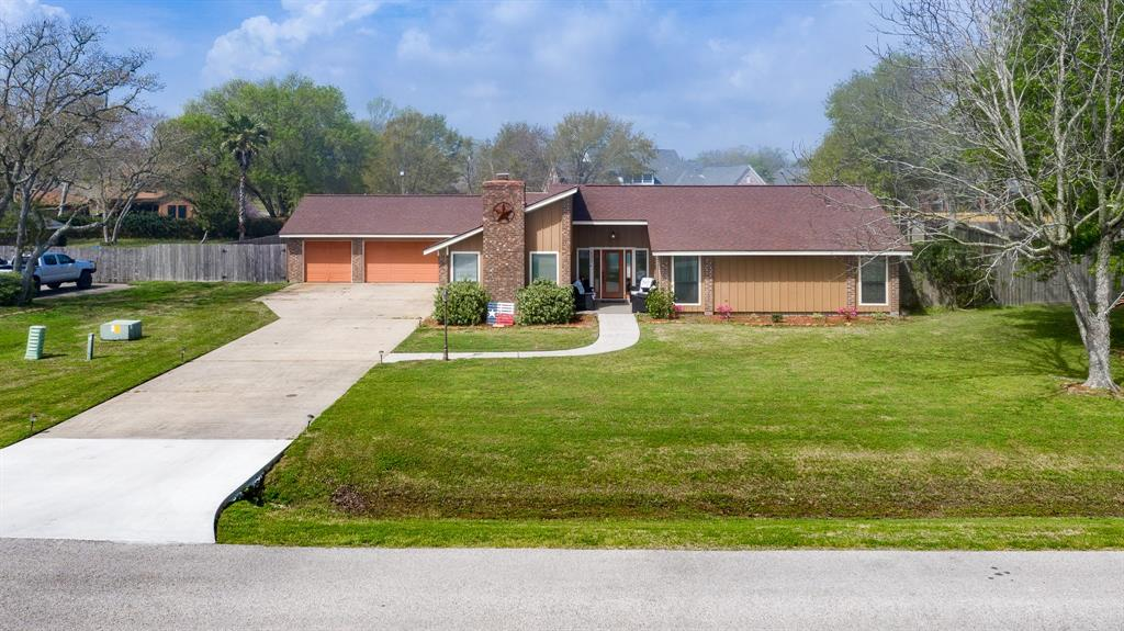 13307 Bay Place Drive, Beach City, TX 77523 - Beach City, TX real estate listing