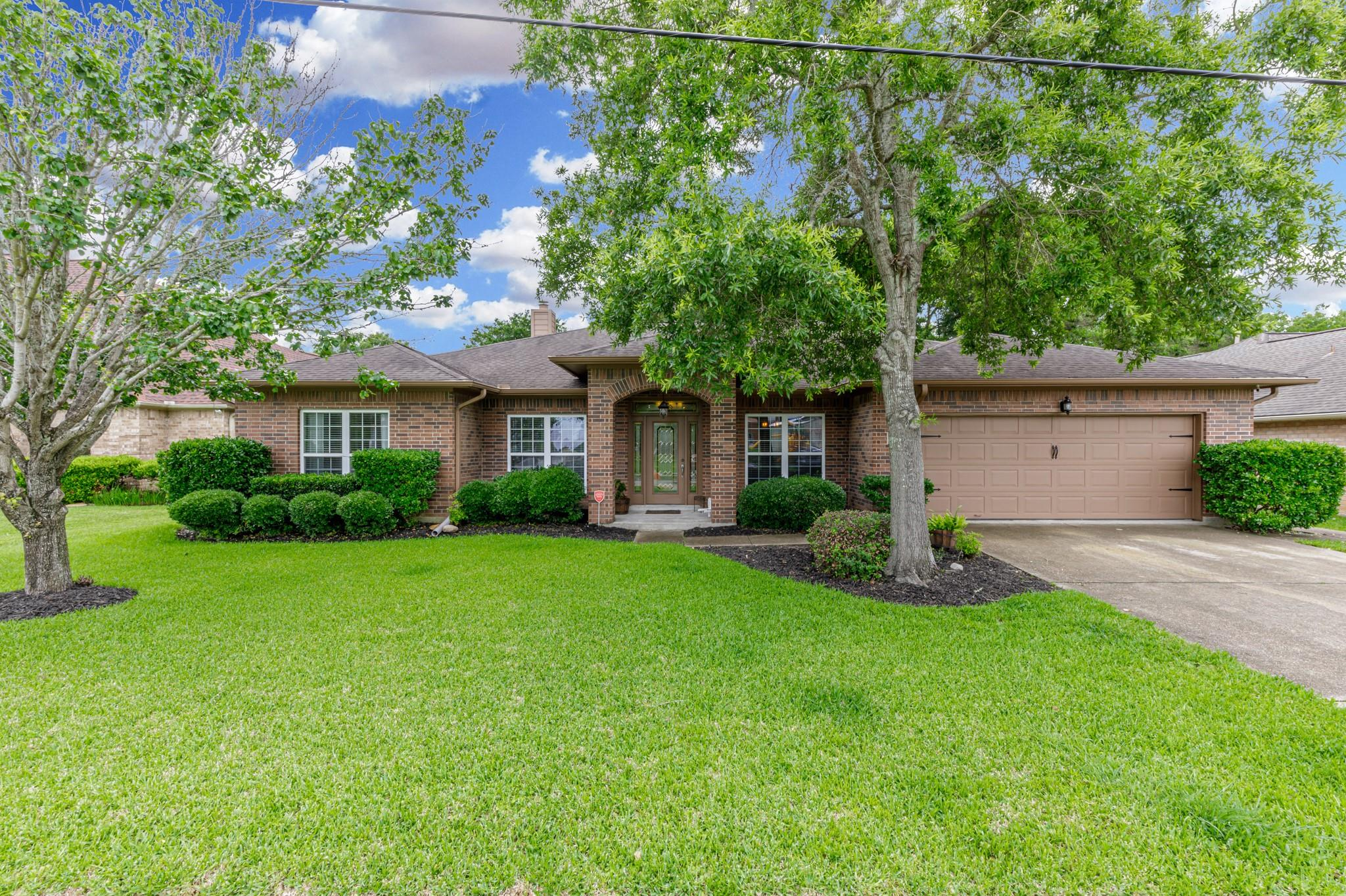 1727 Les Talley Drive Property Photo