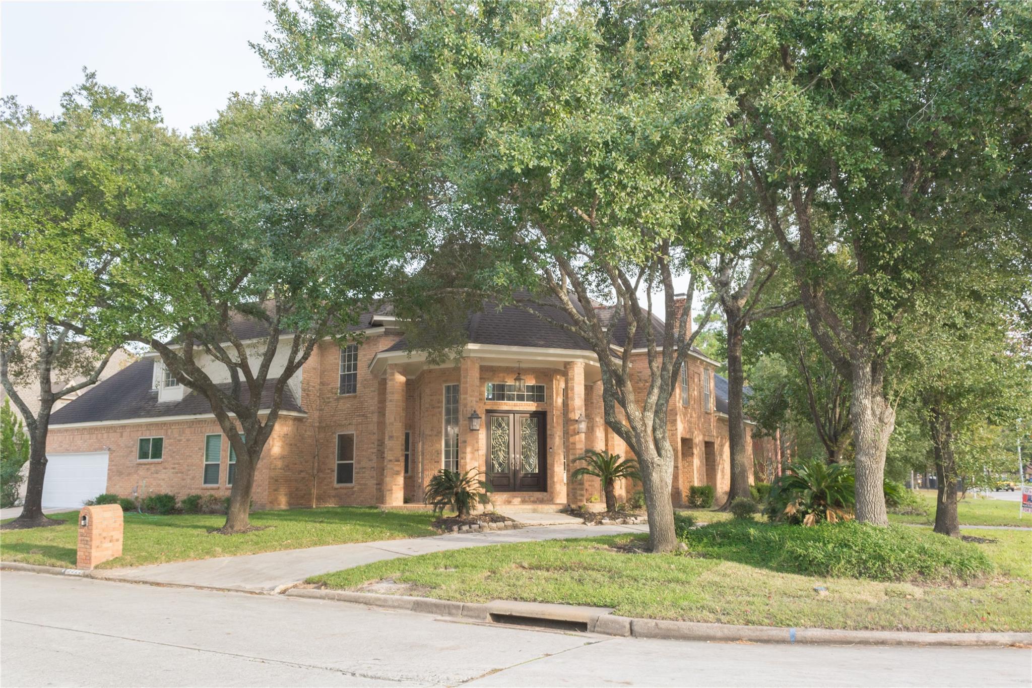 3323 Ivy Falls Drive Property Photo - Houston, TX real estate listing