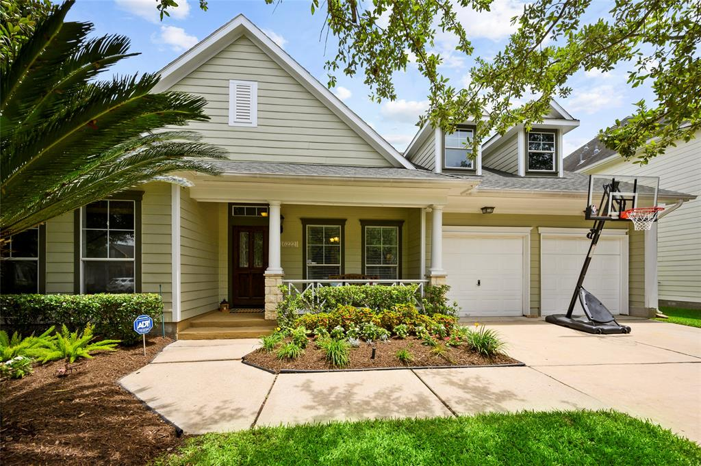 16222 Pine Thorn Drive Property Photo - Houston, TX real estate listing