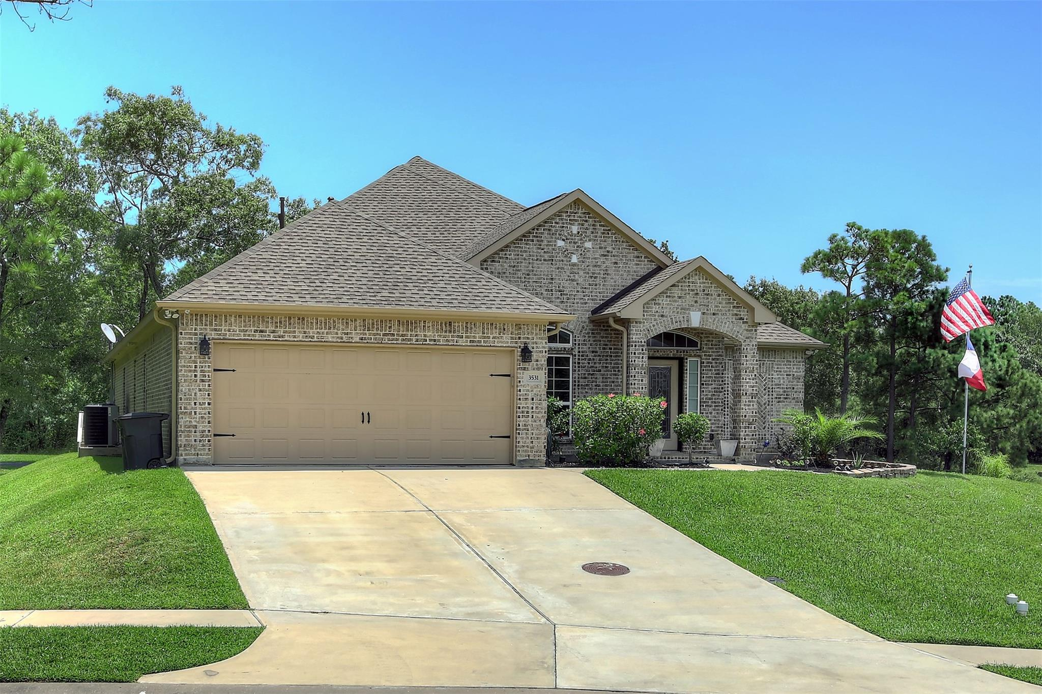 3531 Bayou Forest Drive Property Photo - Shoreacres, TX real estate listing