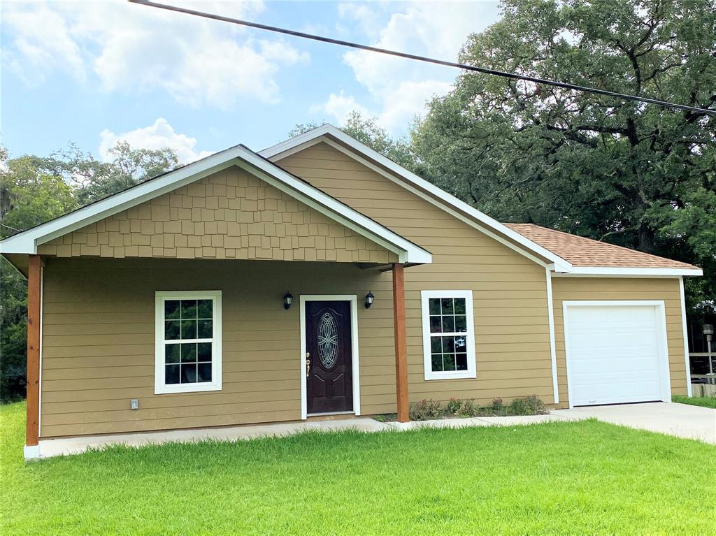 2734 Duncan Drive Property Photo - Oyster Creek, TX real estate listing