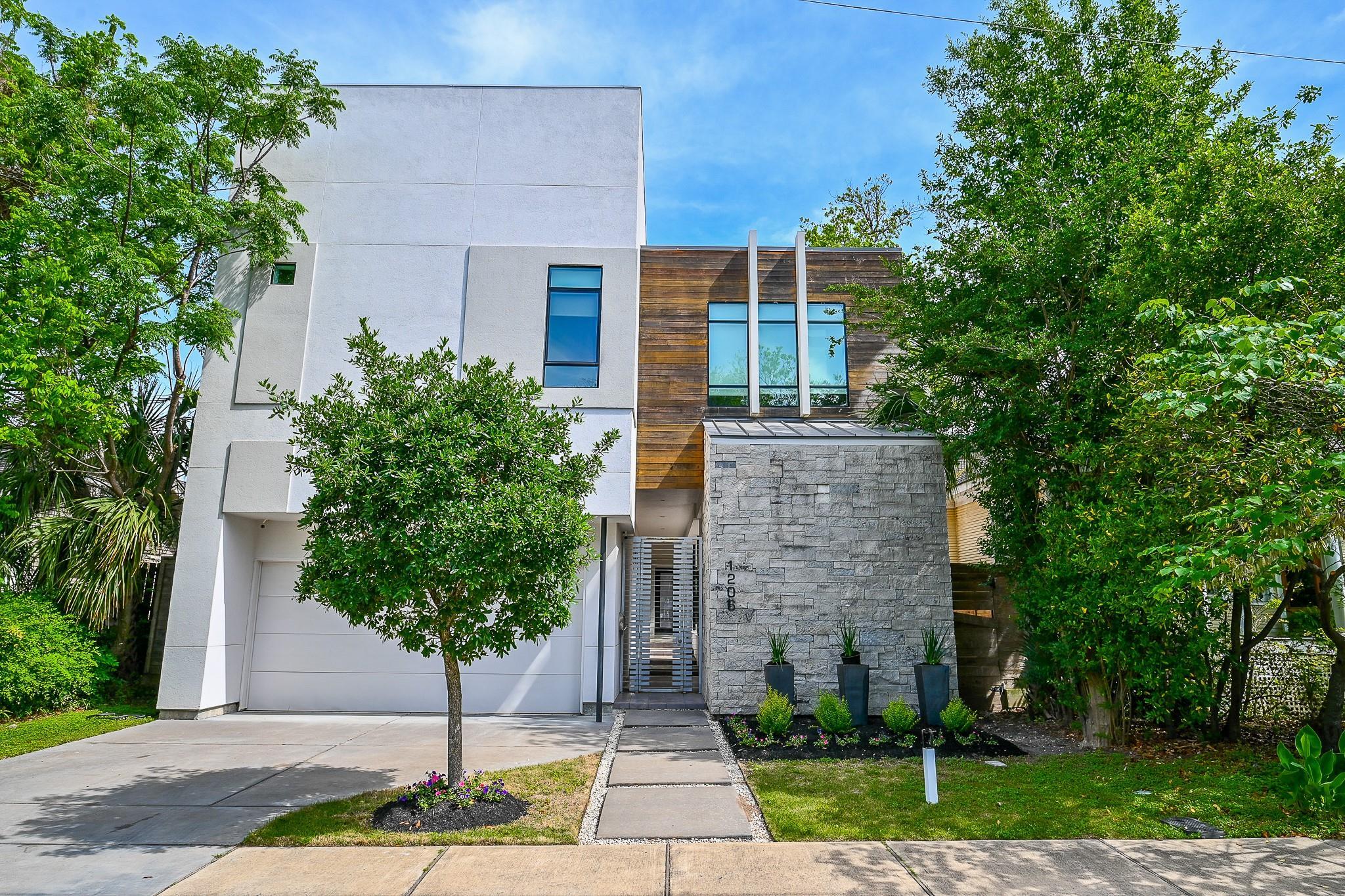 1206 W Drew Street Property Photo