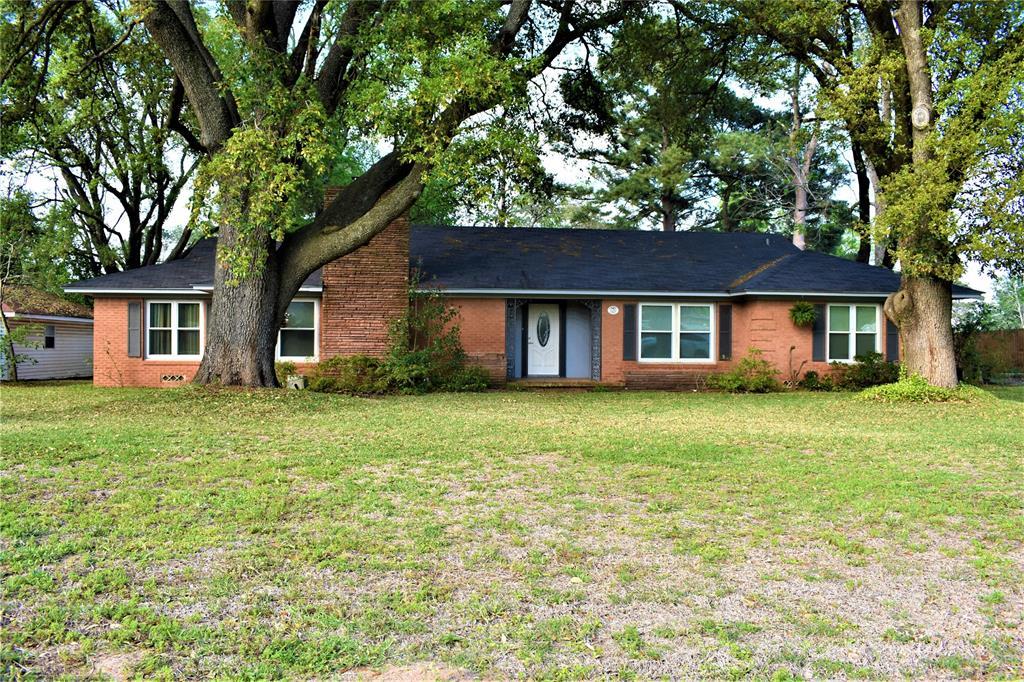 1102 S Cass St, Centerville, TX 75833 - Centerville, TX real estate listing