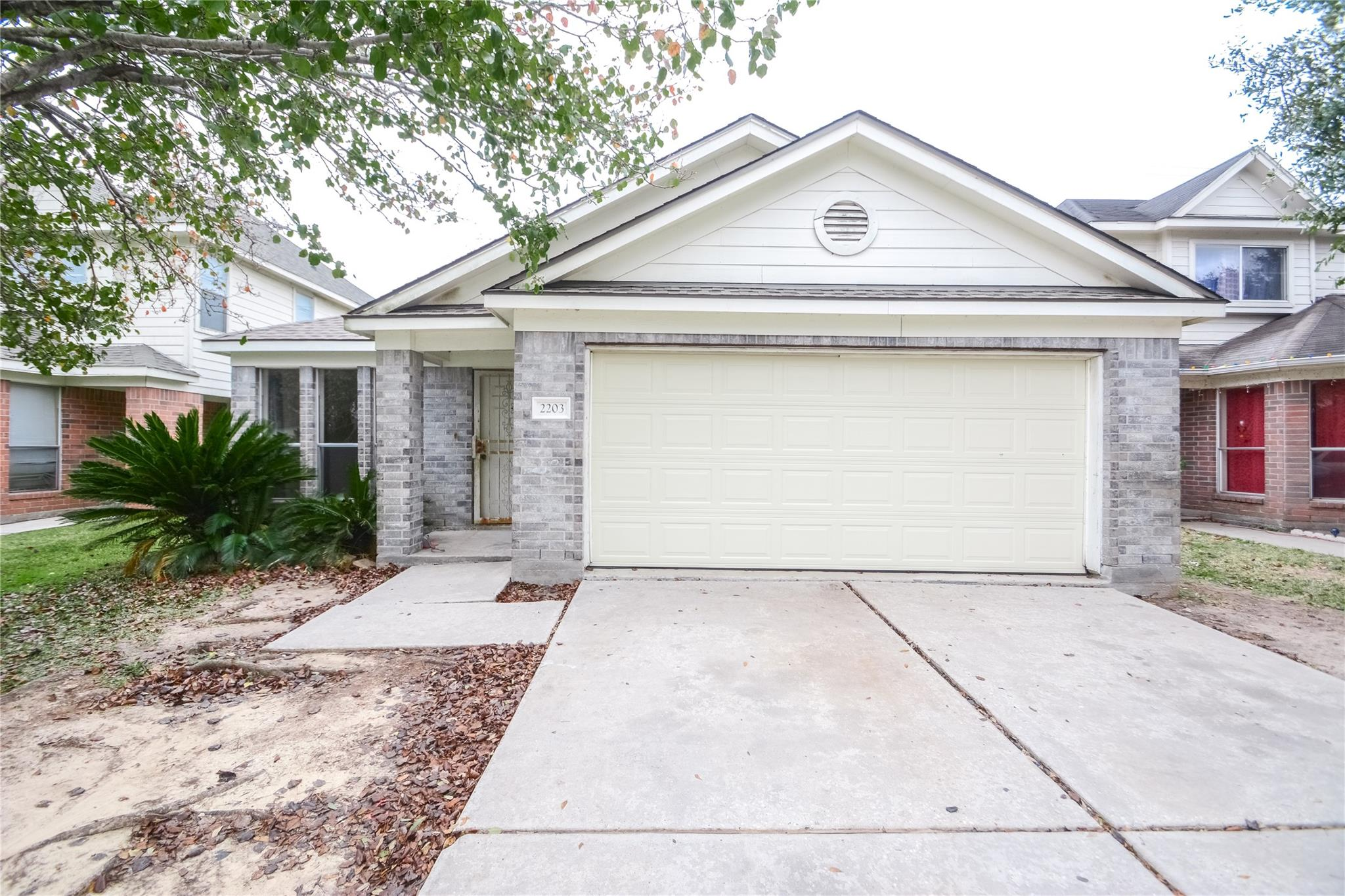 2203 Hadden Hollow Drive Property Photo - Houston, TX real estate listing