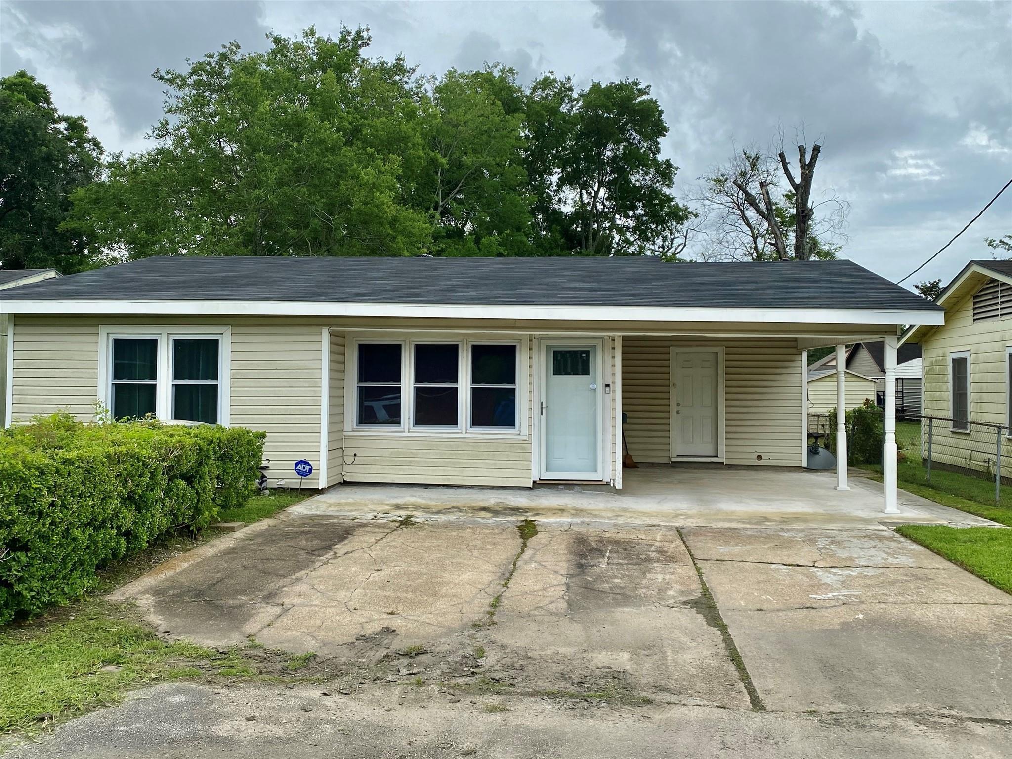 3235 Cartwright Street Property Photo