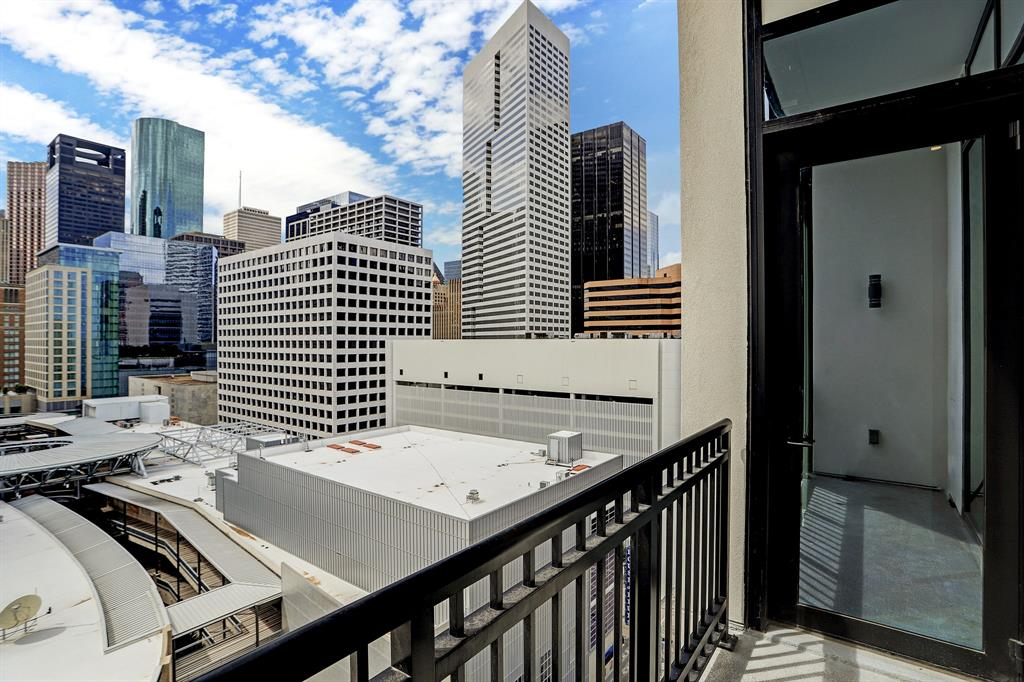 1211 Caroline Street #1207 Property Photo - Houston, TX real estate listing