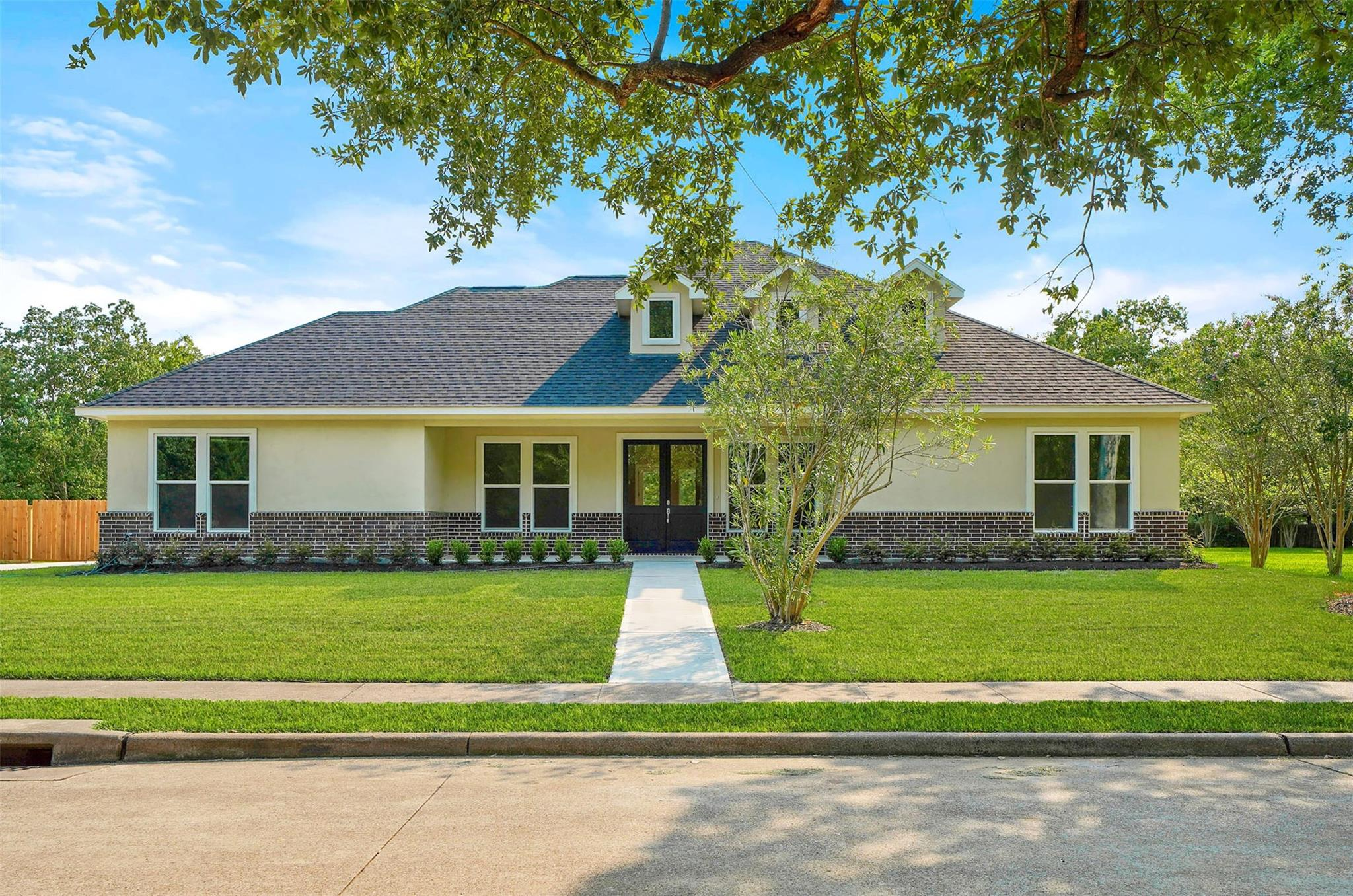 18310 Kings Row Property Photo - Webster, TX real estate listing