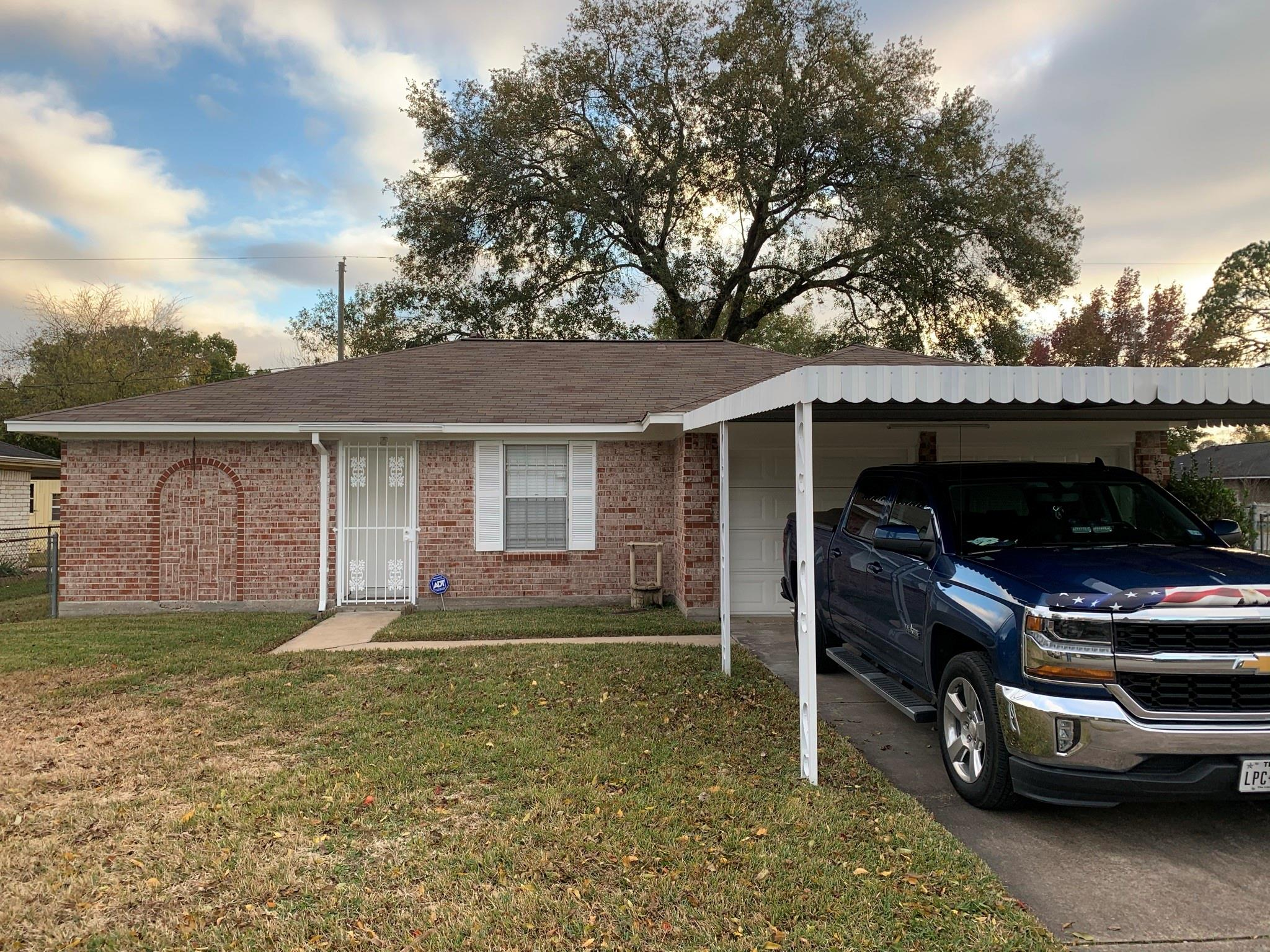 702 Glenvale Drive Property Photo - Houston, TX real estate listing